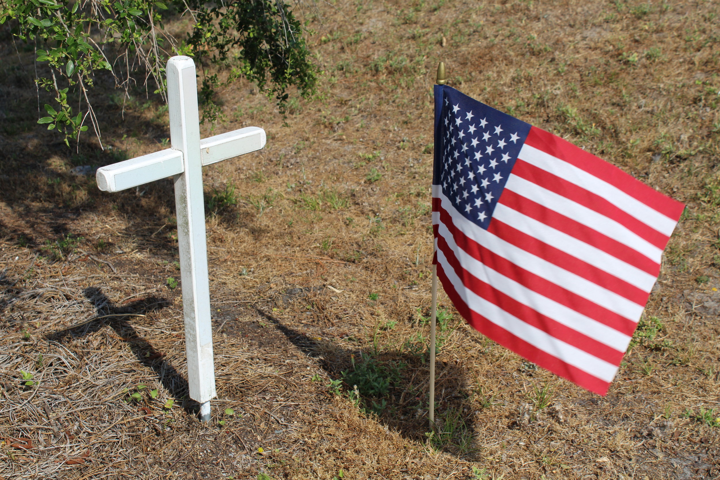 Cross and Flag Memorial Day.JPG