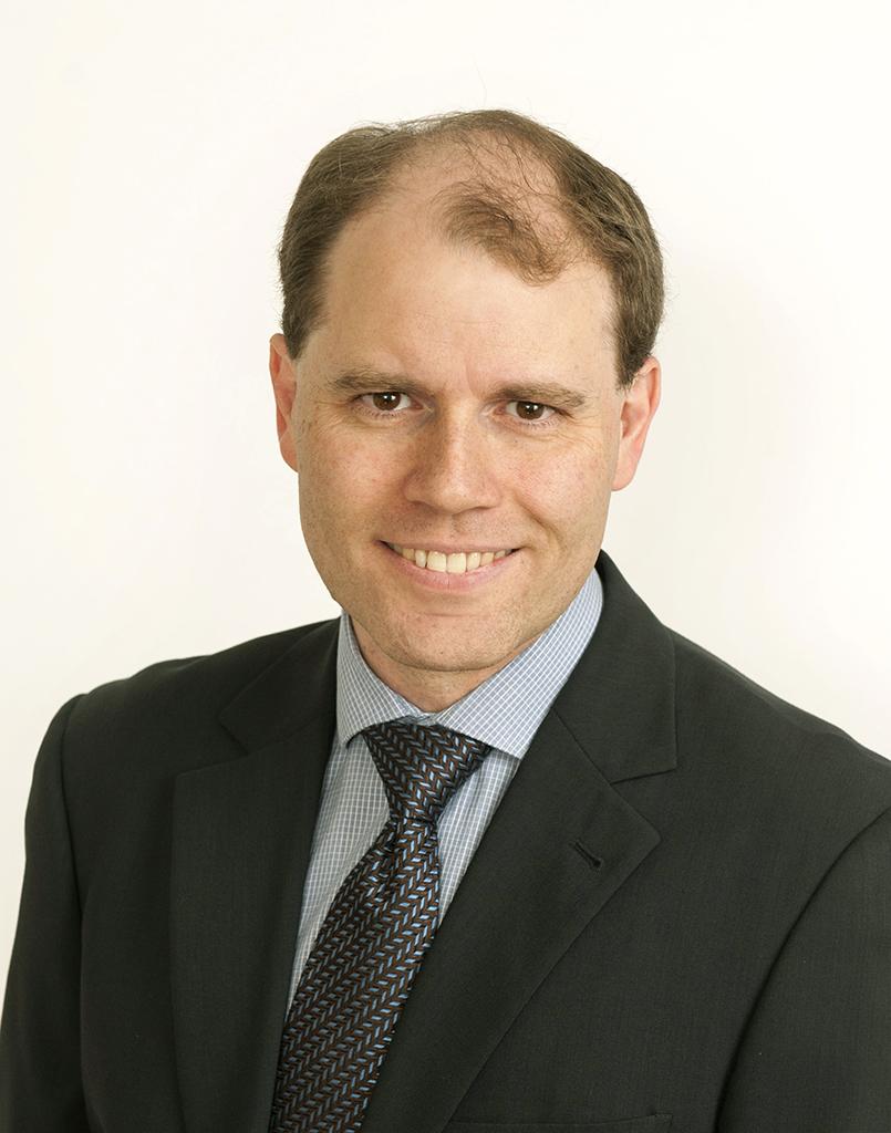 Dr Peter Beckingsale MBBS FRANZCO -