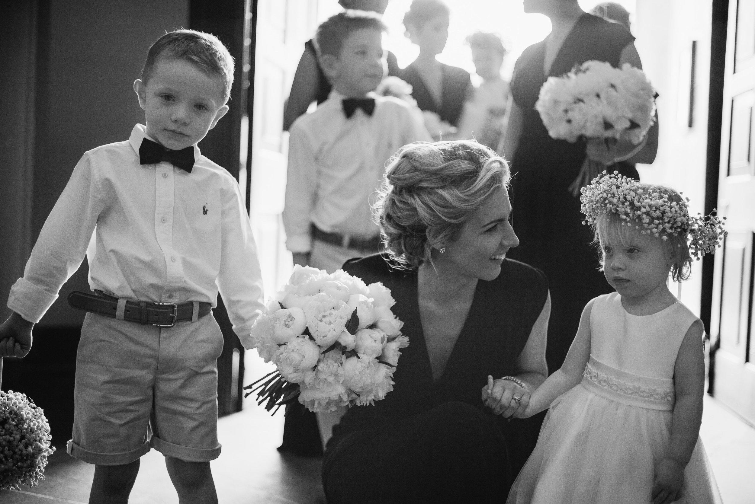 Joshua_Fray_Wedding_Photography-5_cd2lyx.jpg