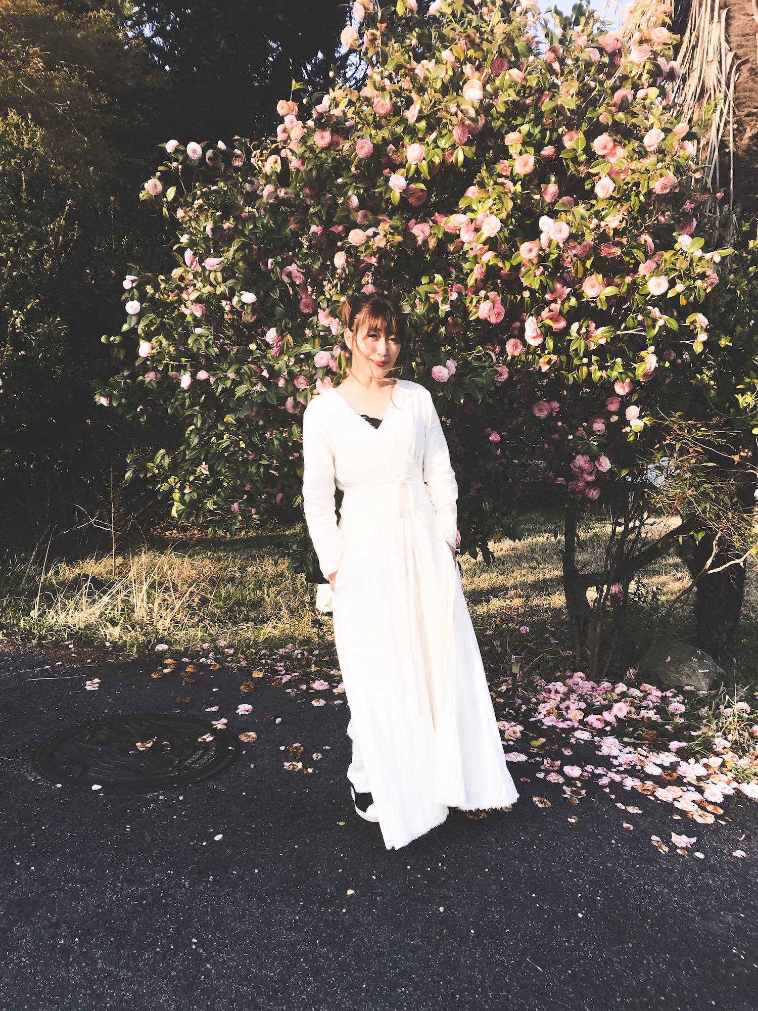 坂本美雨 / Miu Sakamoto:ミュージシャン  青森生まれ、東京とニューヨーク育ち。 1997年、Ryuichi Sakamoto feat. Sister M名義でデビュー。最新アルバムは「Sing with me Ⅱ」。おおはた雄一とのユニット「おお雨」としても活動。近年はharuka nakamura、FOLKLOREとの共演を重ねる。 ナレーションや執筆活動、JFN系列全国ネットのラジオ「坂本美雨のディアフレンズ」のパーソナリティなど活動は多岐にわたる。 大の愛猫家、一児の母。   Instagram :  @miu_sakamoto