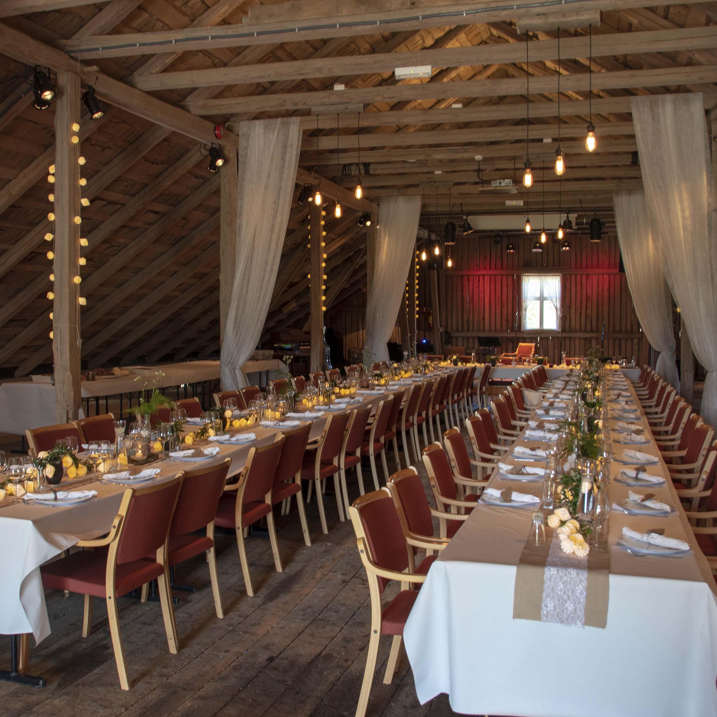 Geiteberg låve bryllup bord pynt 12 .jpg