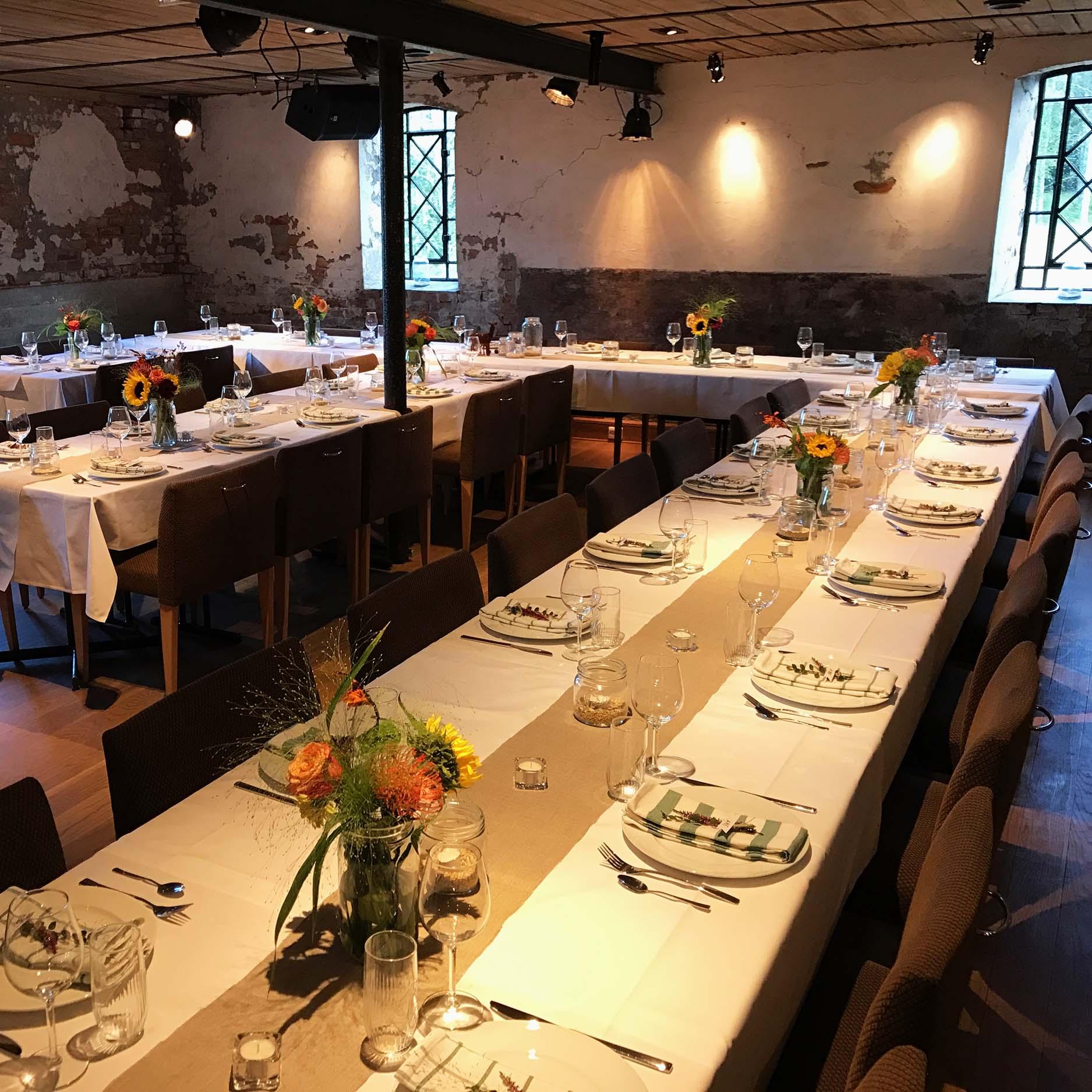 Geiteberg låve bryllup bord pynt 19.jpg