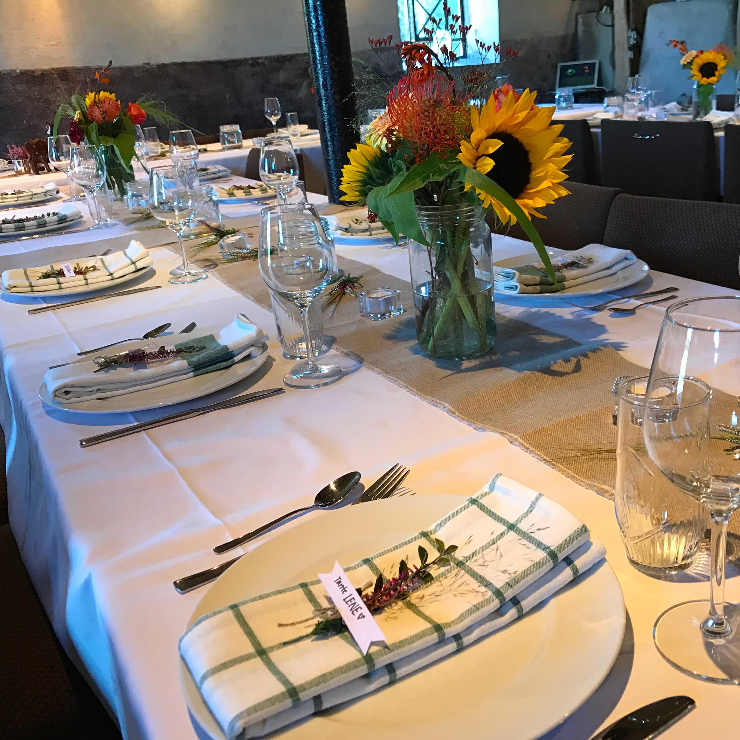 Geiteberg låve bryllup bord pynt 20.jpg