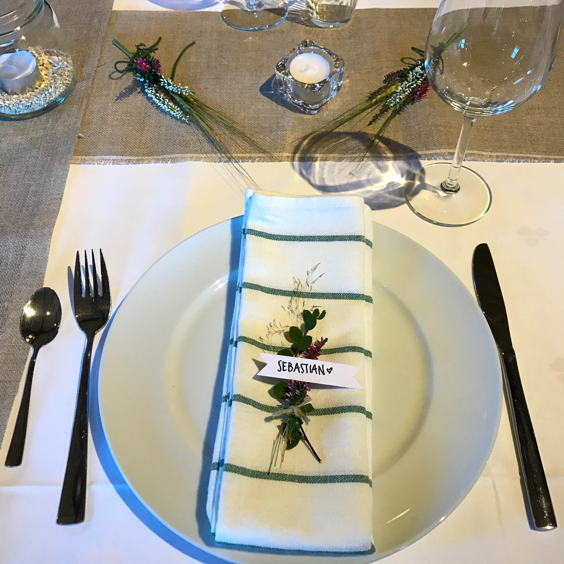 Geiteberg låve bryllup bord pynt 21.jpg