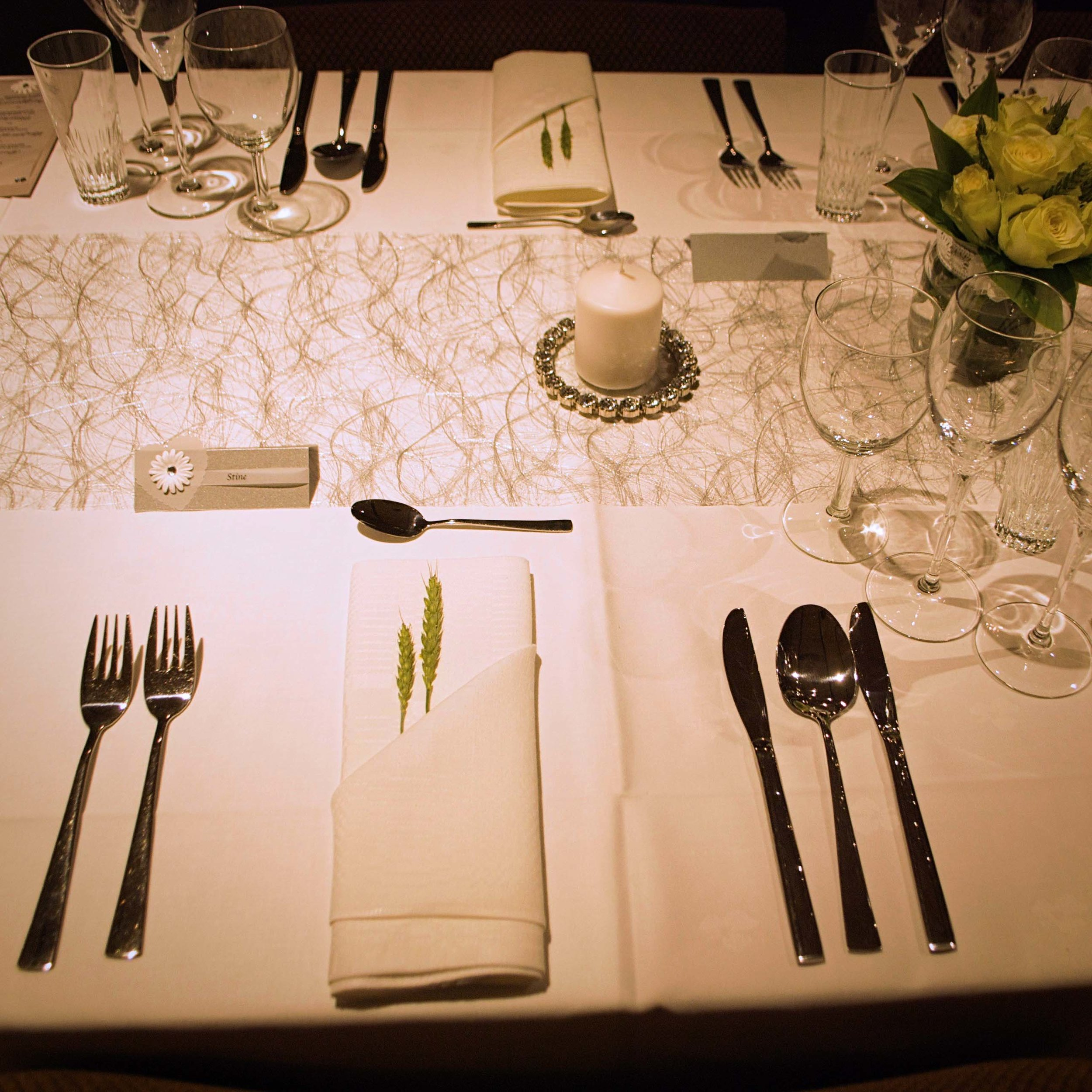 Geiteberg låve bryllup bord pynt 2.jpg