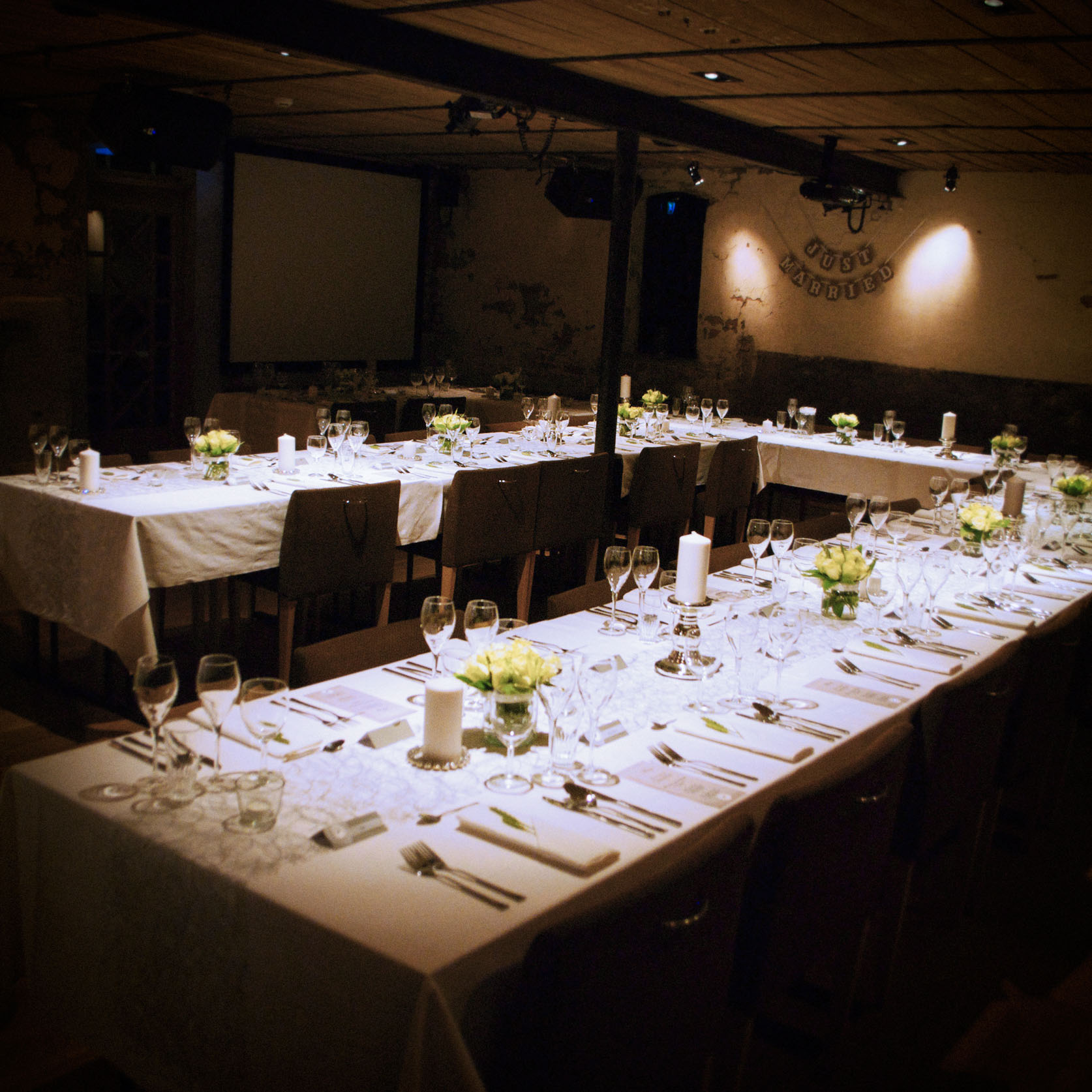 Geiteberg låve bryllup bord pynt 8.jpg