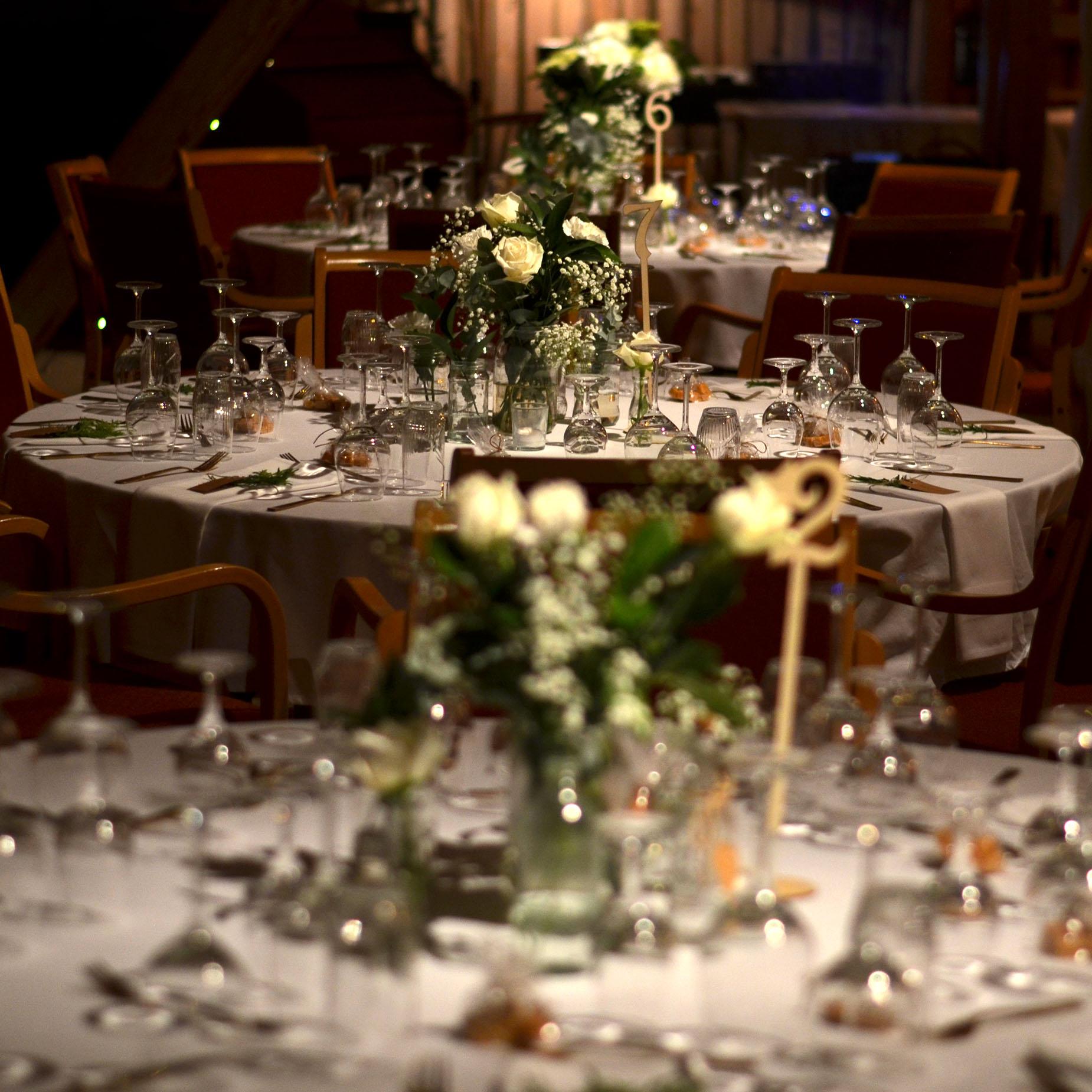 Geiteberg låve bryllup bord pynt 38.jpg