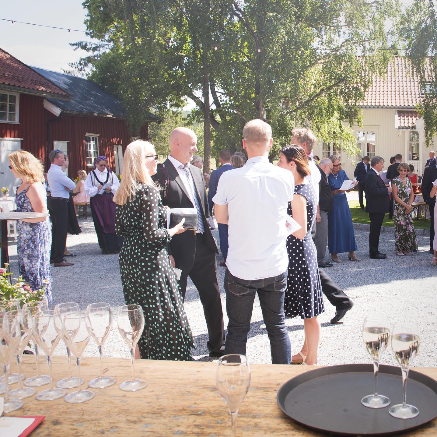 Geiteberg låve bryllup tun 4.jpg