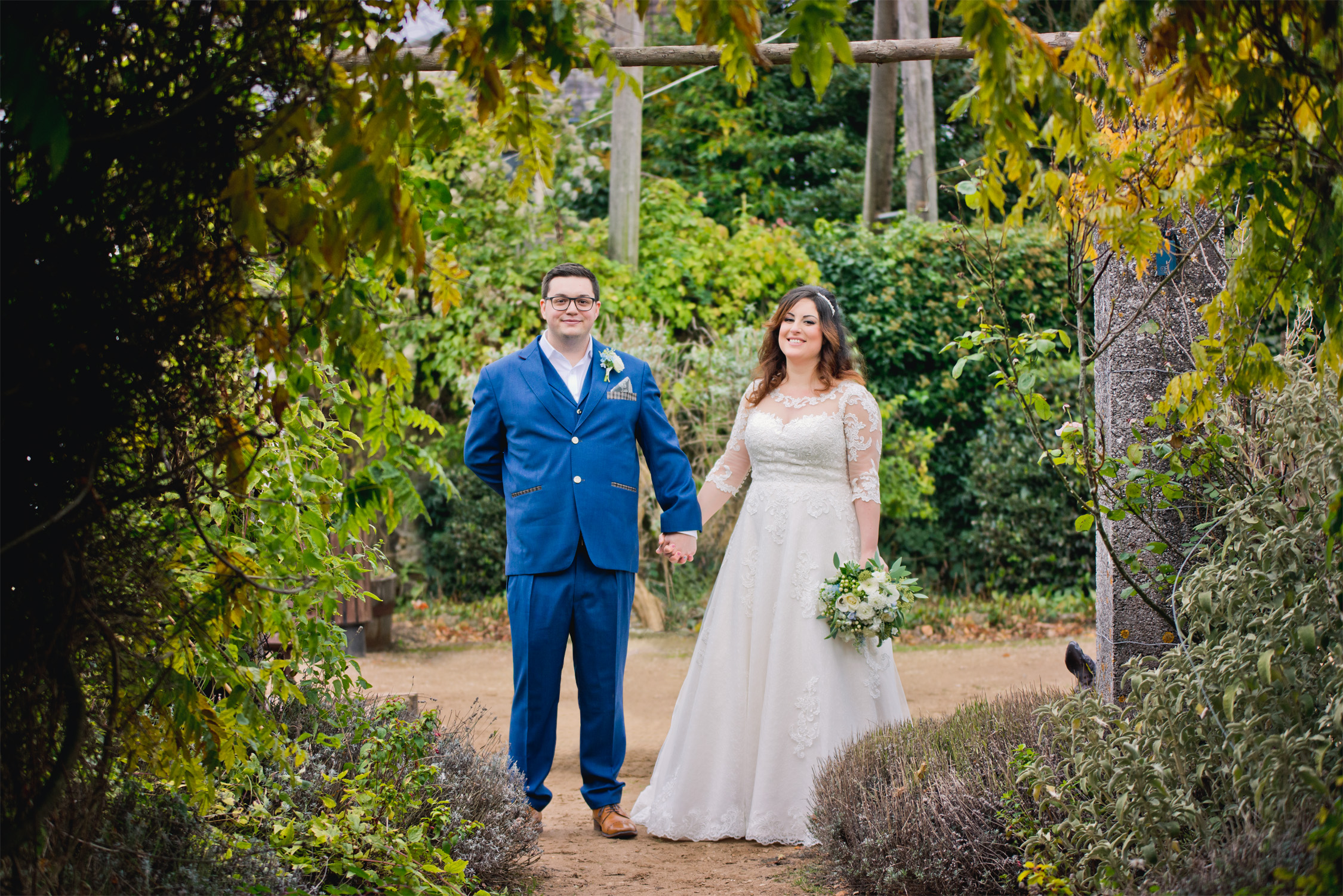 Happy couple wedding garden photo retouching