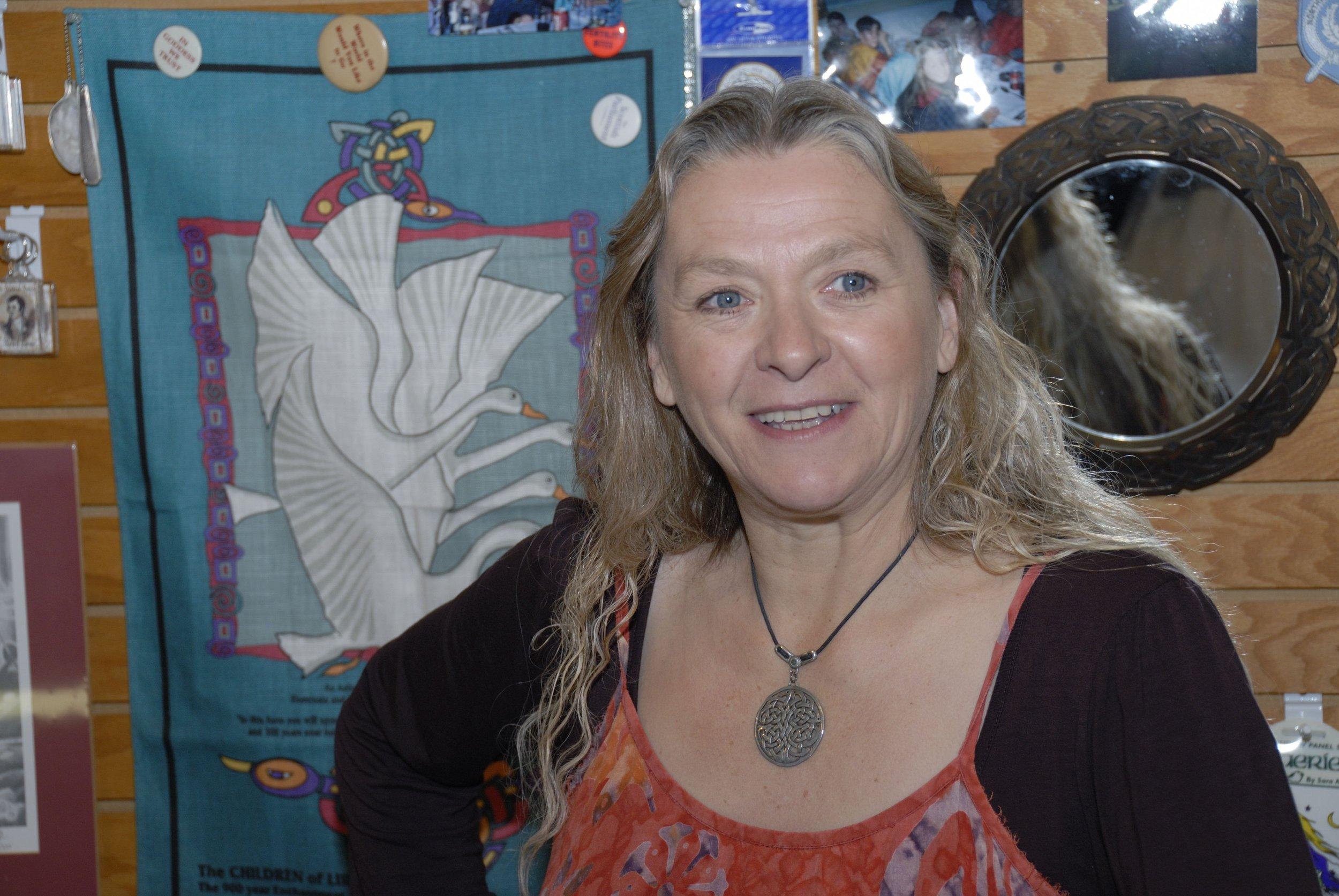 Linda MacDonald-Lewis