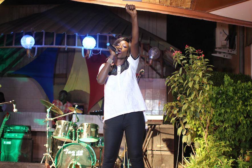La slameuse Princesse Kadidja en concert - photo from Jeune Afrique.jpg