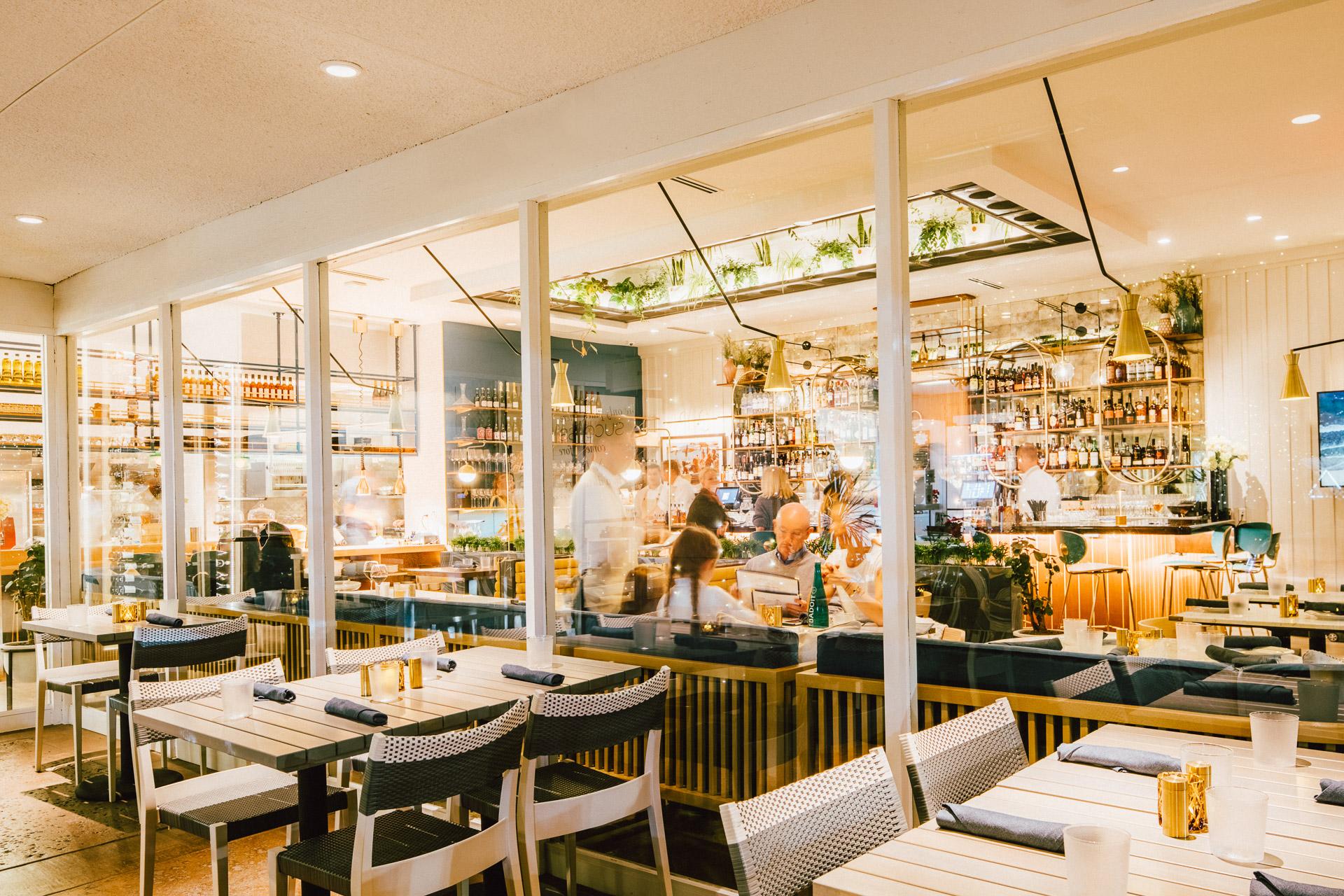 los-angeles-architectural-photographer-bistro-jolie-restaurant-7.jpg