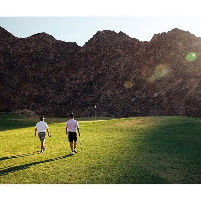 Weekending in the desert. ⛳️ Throwback to my shoot at Waldorf Astoria's @laquintaresort with @strausberggroup earlier this week. #laquintaresort #waldorfmoment #waldorfastoria #palmsprings