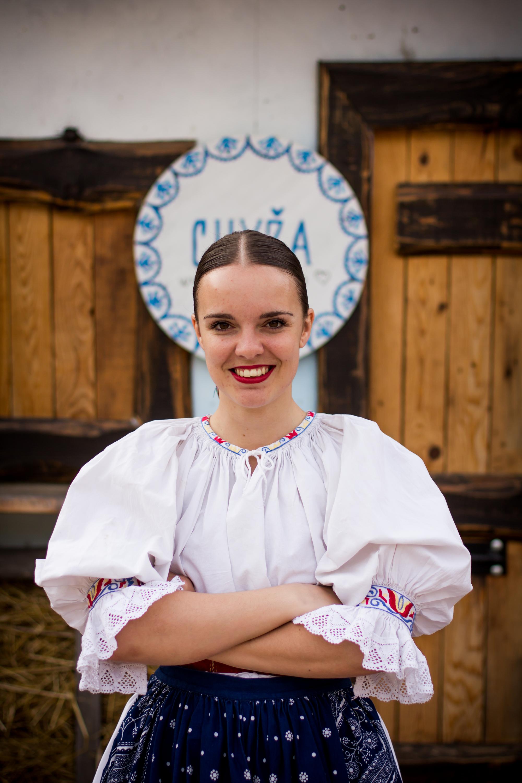 Zuzana Peniašková - ,,Rozhodla som sa spojiť moju lásku k folklóru a cestovaniu do jedného celku - výsledkom je Chyža.