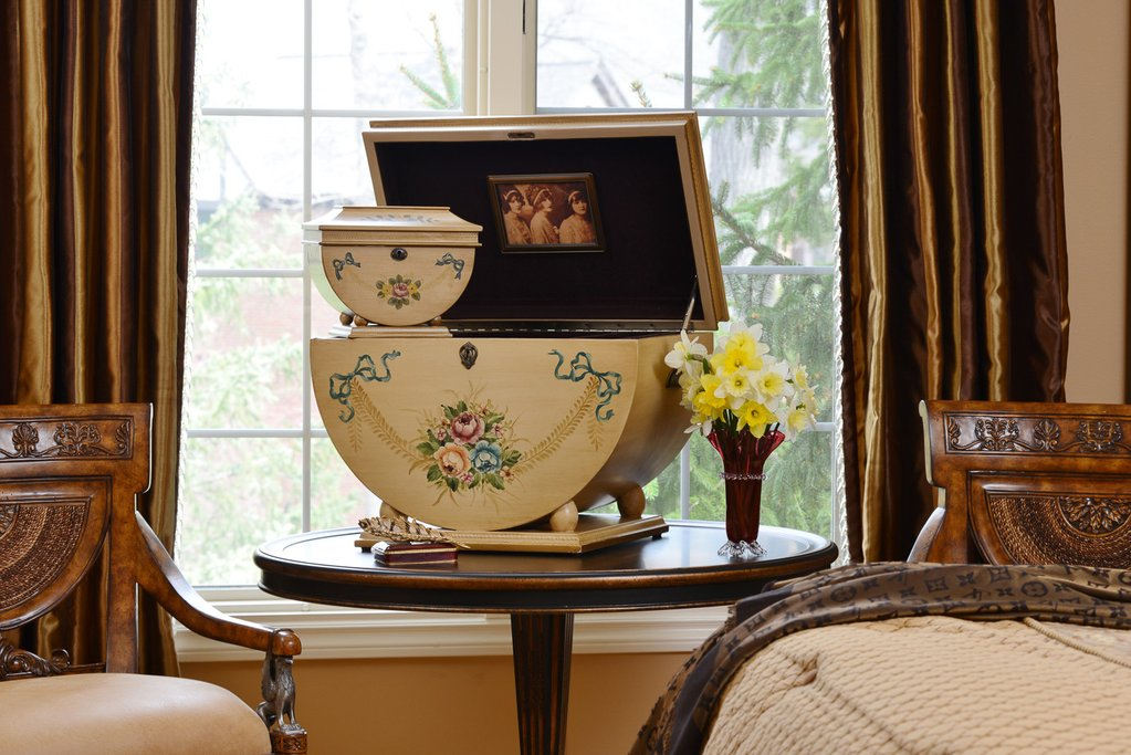 - Compliment your Colonial Life Chest™ with the Colonial Memory Life Chest™