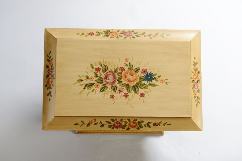 Colonial_Life_Chest_Top_Shopify_1024x1024.jpg
