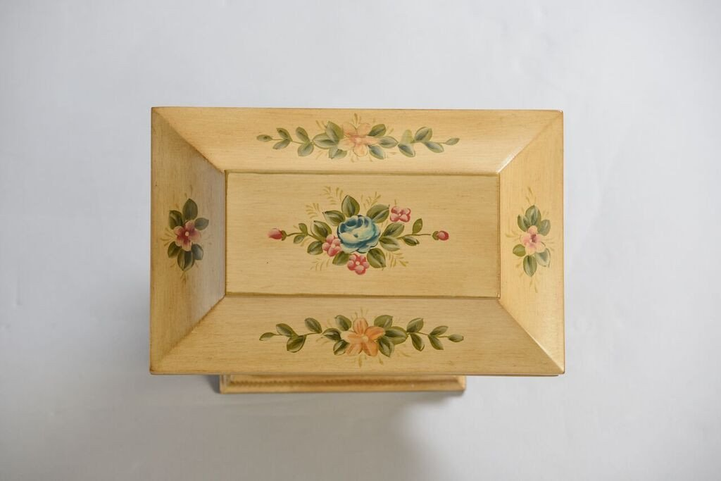 Colonial_Memory_Life_Chest_Top_Shopify_1024x1024.jpg