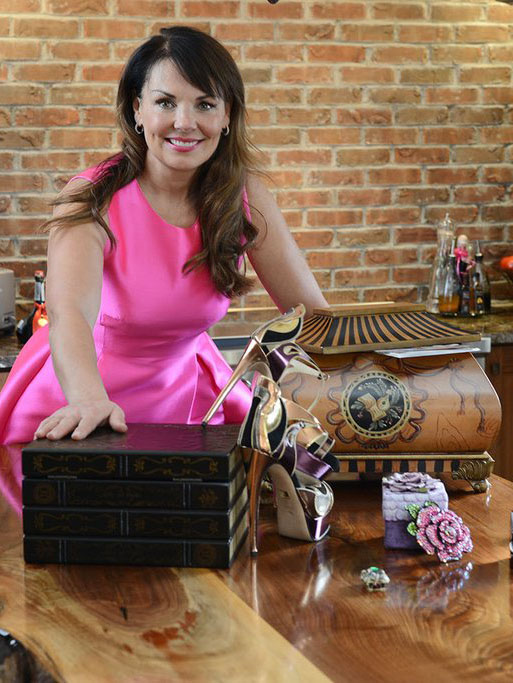 Donna with Salzburg and Oxford Memory Life Chests™