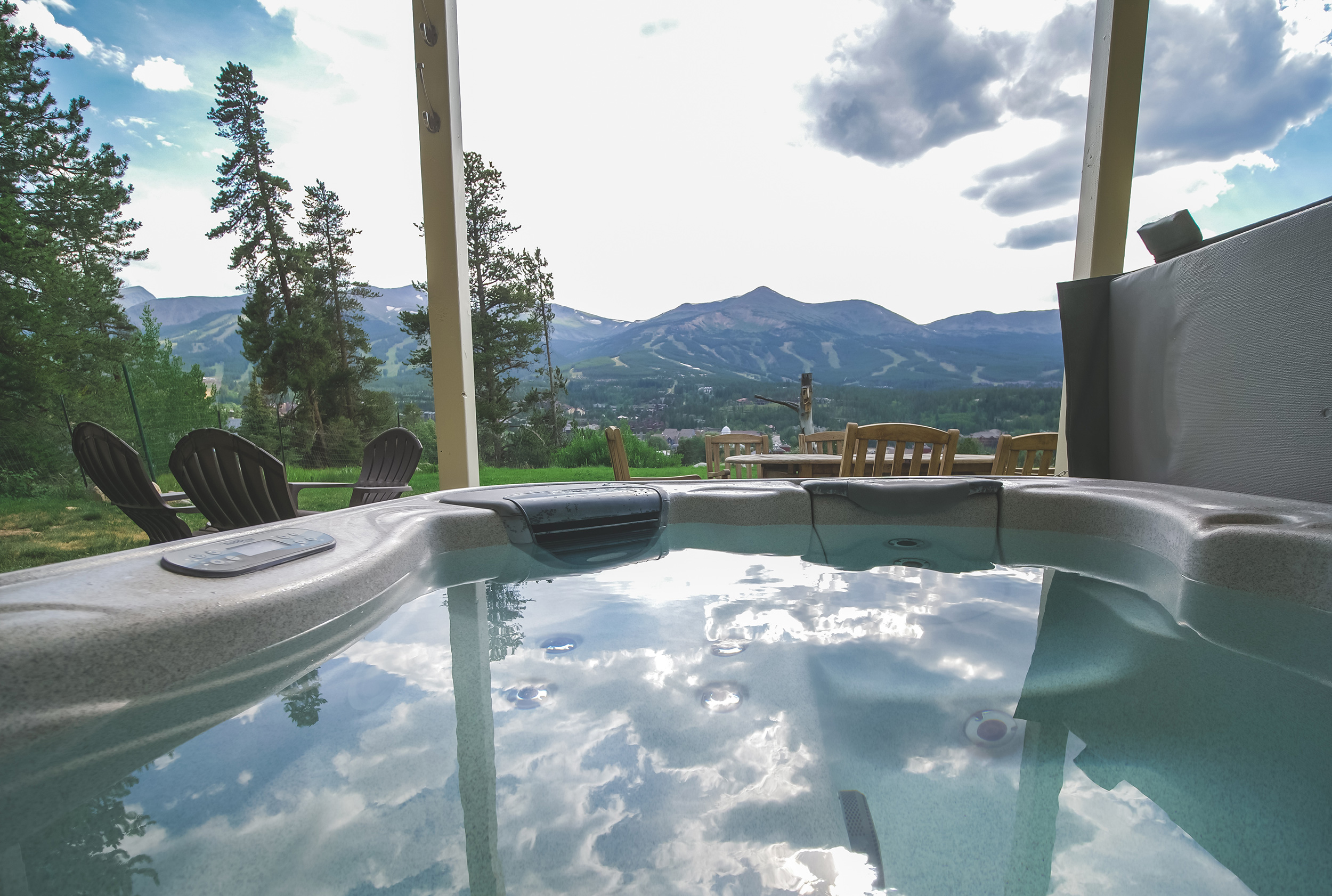 About Us - As a leading provider in hot tub service, repairs, and spa sales, we take pride in offering the best hot tub service in Summit County. We are dedicated to serving the needs of our customers each and every day.