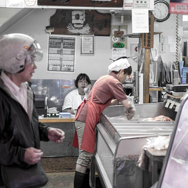 Tokyo's fish market! ©DavidPicarda #Tokyo #blackandwhite #japenese #japan #kyotojapan #r #travel #kawaii #otaku #fujifilm_xseries #fujixe2 #fujixcamera #fujixclub #japan_daytime_view #mystopover #trip #photooftheday #japaneseart #igjapan  #airnewzealand #mystopover #majestic_earth #instagood  #500px #lnstagramjapan #ig_japan #Kyoto #ilovejapan #ilovekyoto #ilovetokyo #tokyocameraclub
