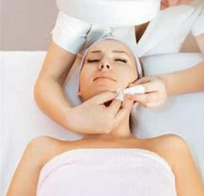 Lux Skincare - Medi & Derma Chemical Peel.jpg