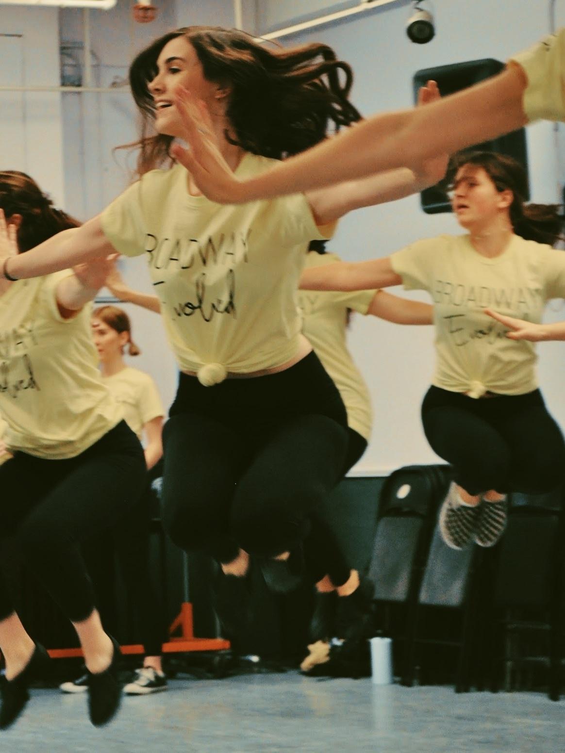dance jumping GOOD.JPG