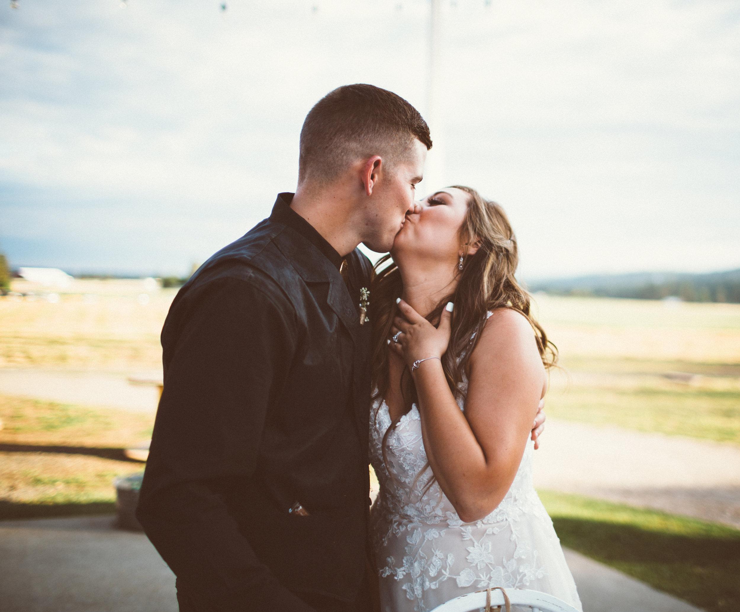 Mr. & Mrs. Pratt-705.jpg