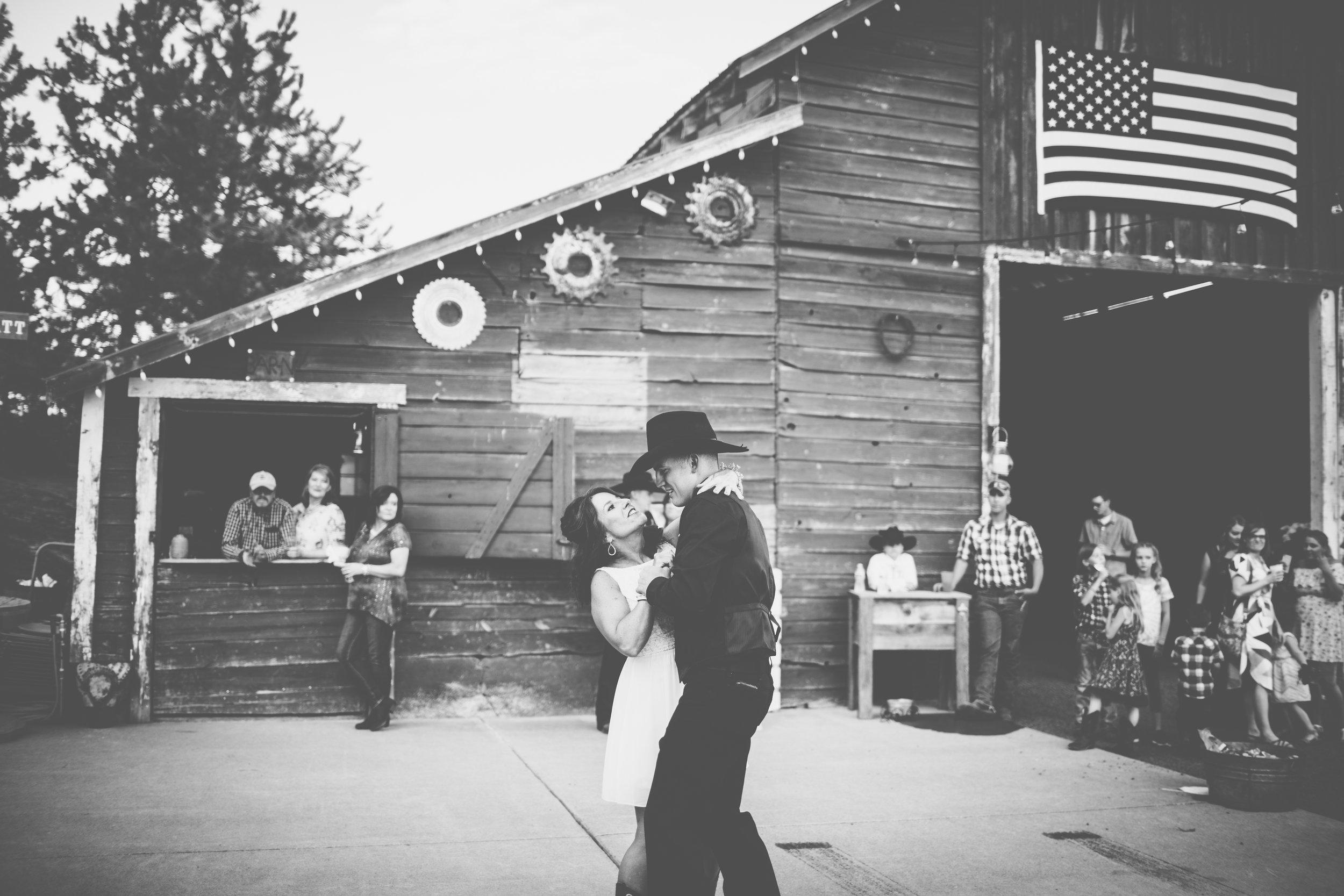 Mr. & Mrs. Pratt-794.jpg