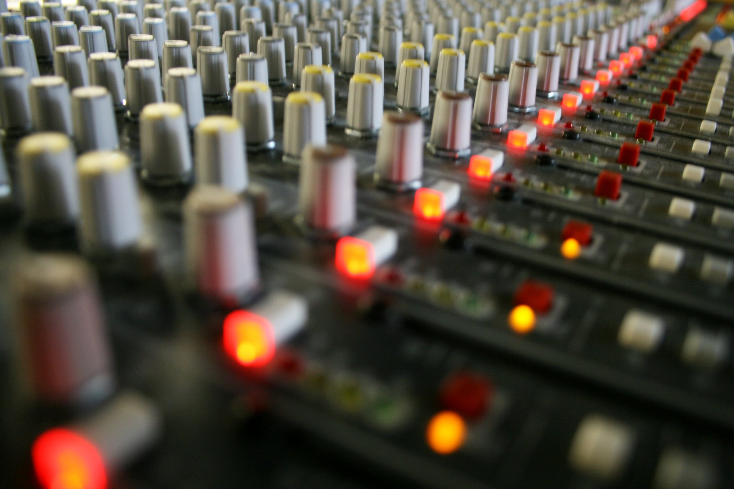 Advanced Mixing Lab - Reinforce all of the new Level 3 mixing techniques you have learned by applying them to a second song.