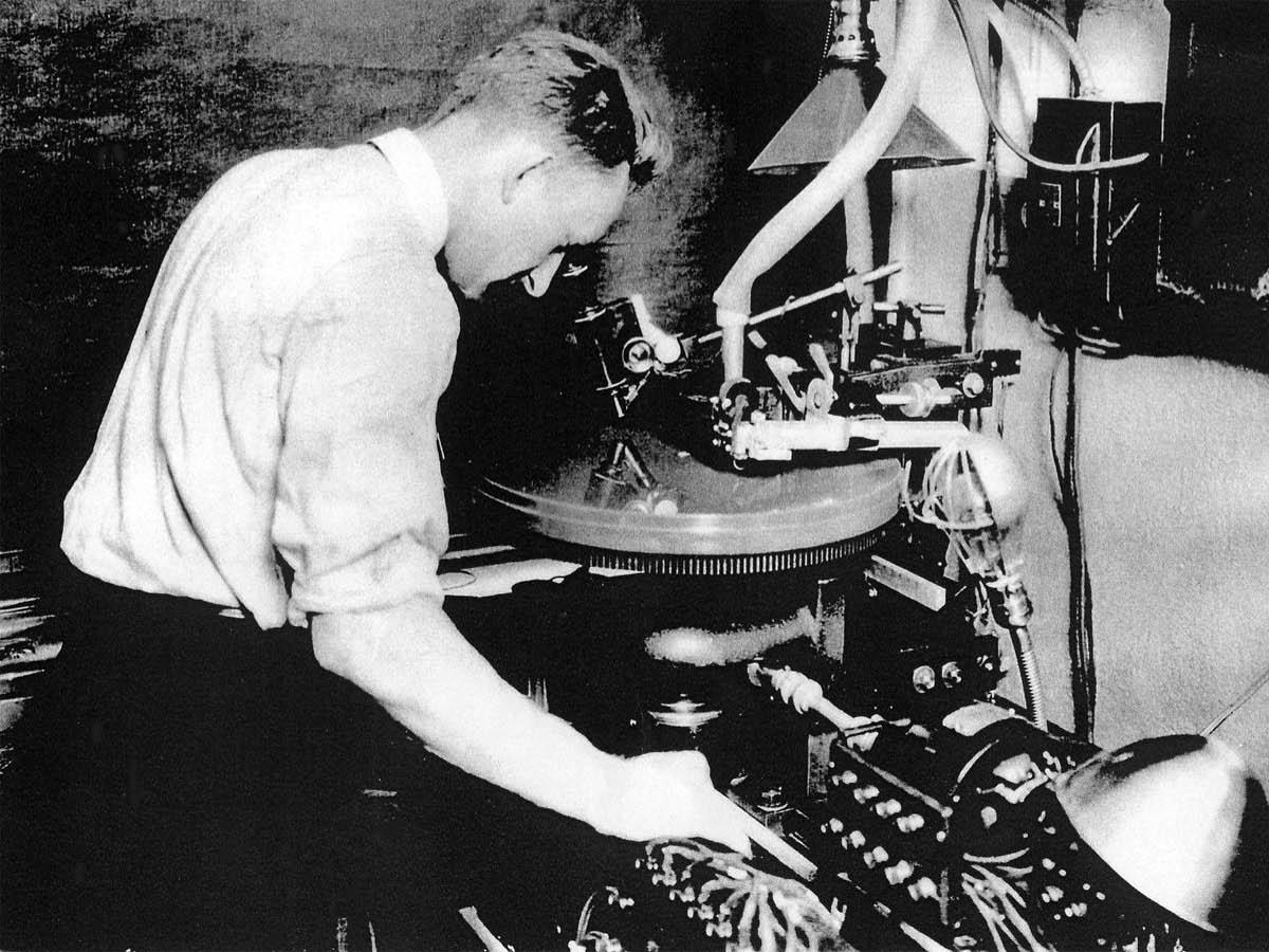 History of Mastering - Learn how mastering evolved from the mere technical skill of lacquer cutting into the sophisticated music finalizing process that it is today.