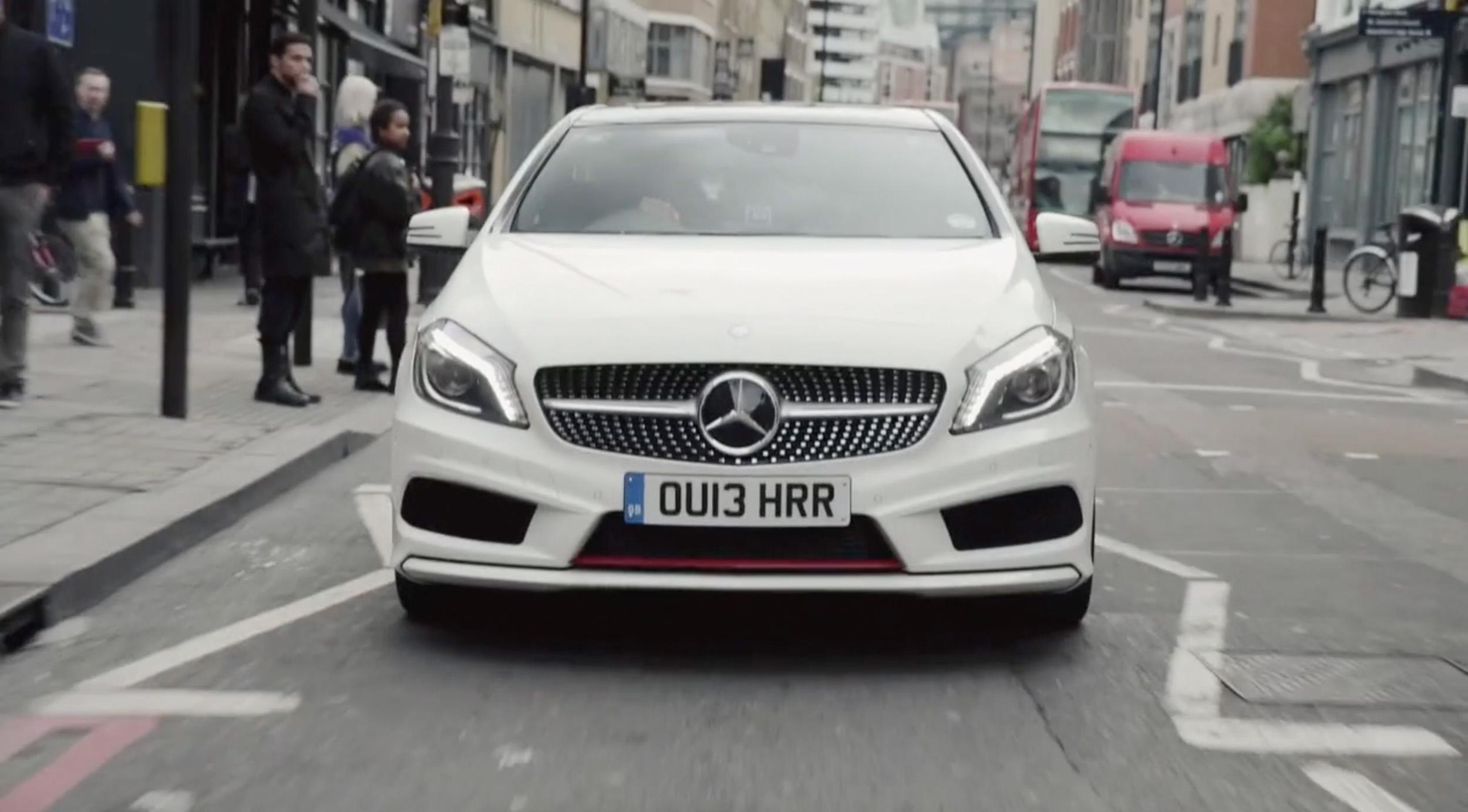 Mercedes</br><em>Style Pit Stop</em>