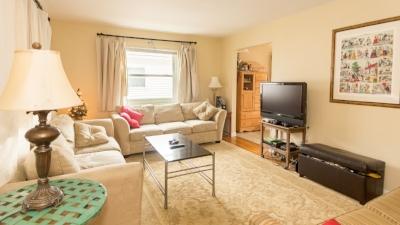 furnitures-house-living-room-77931.jpg