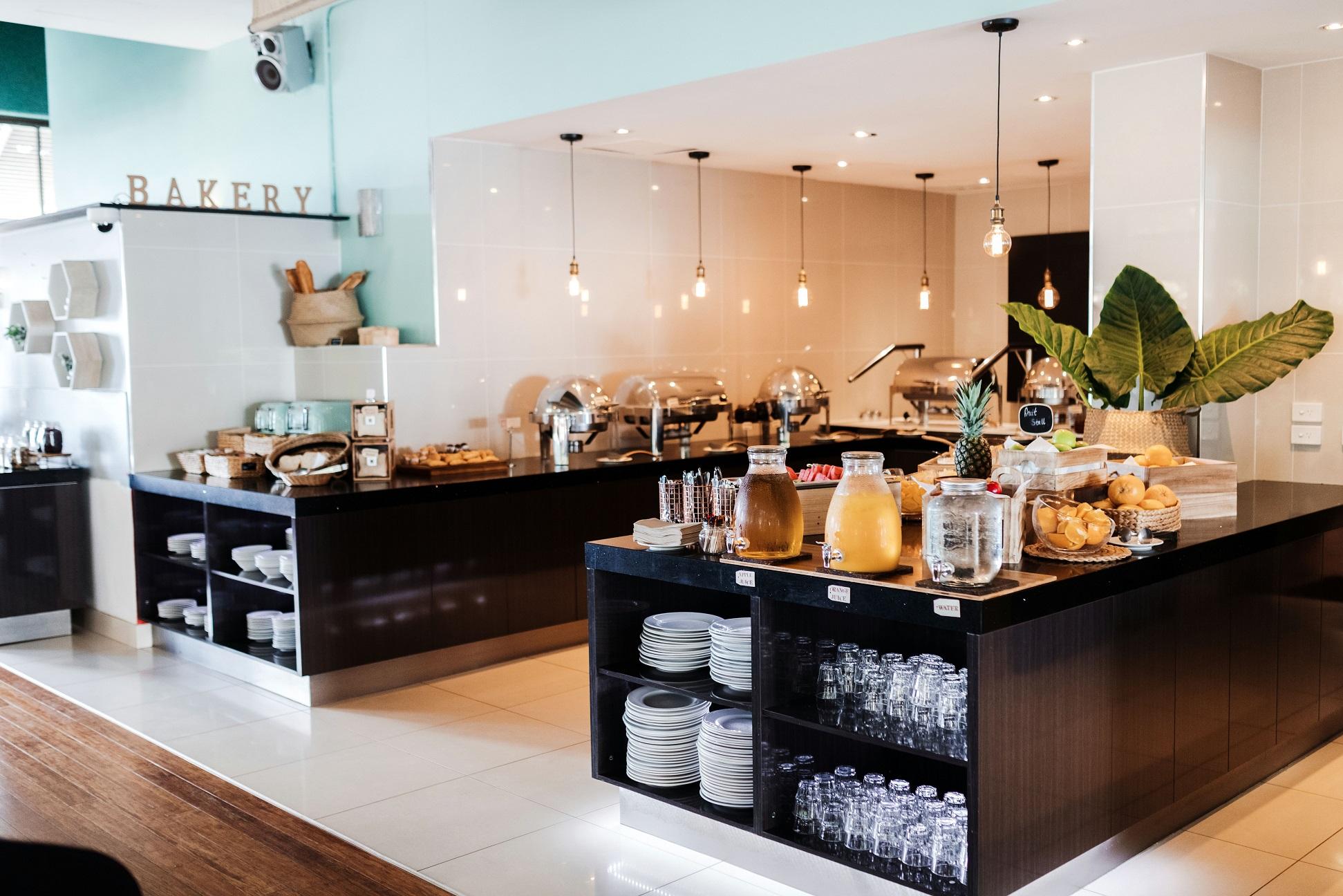 breakfast buffet area LR.jpg