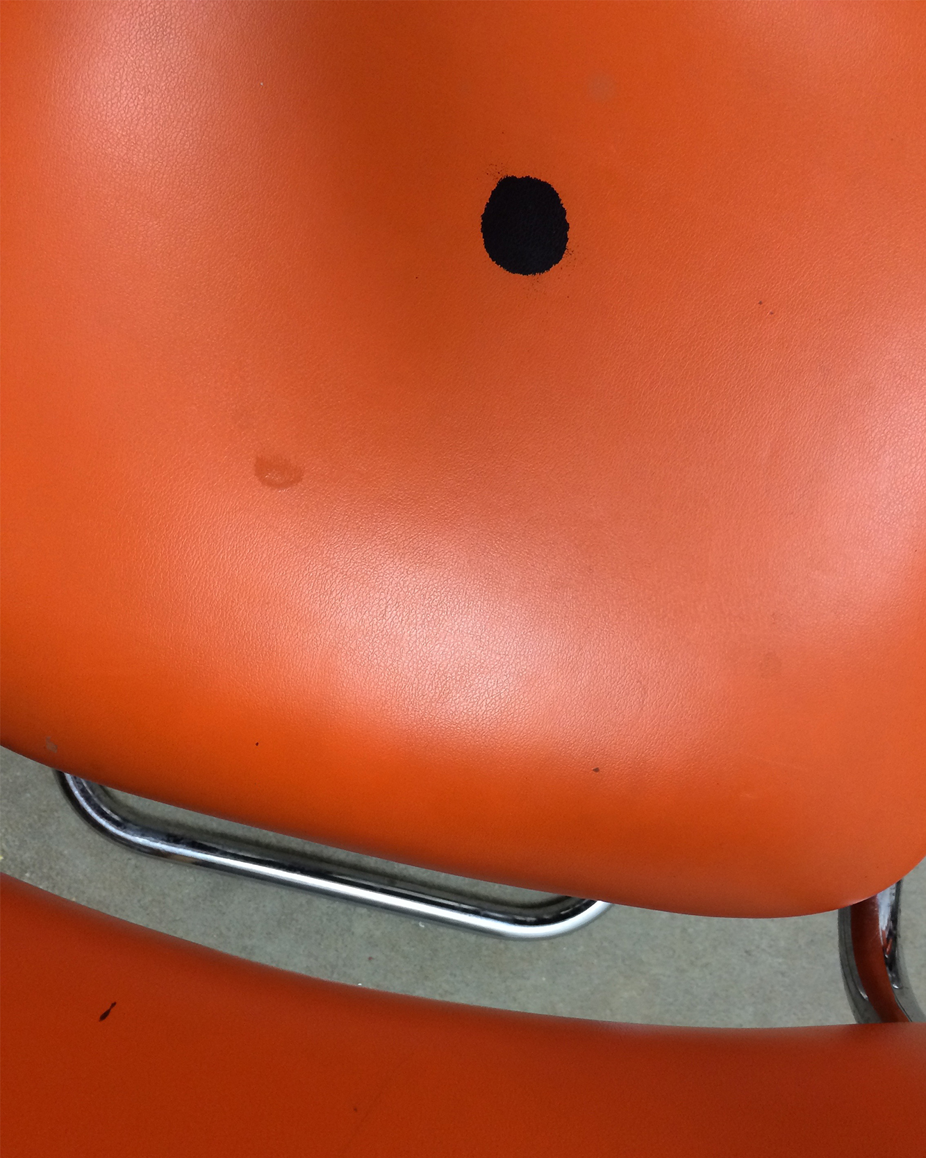 Dot_Chair.jpg
