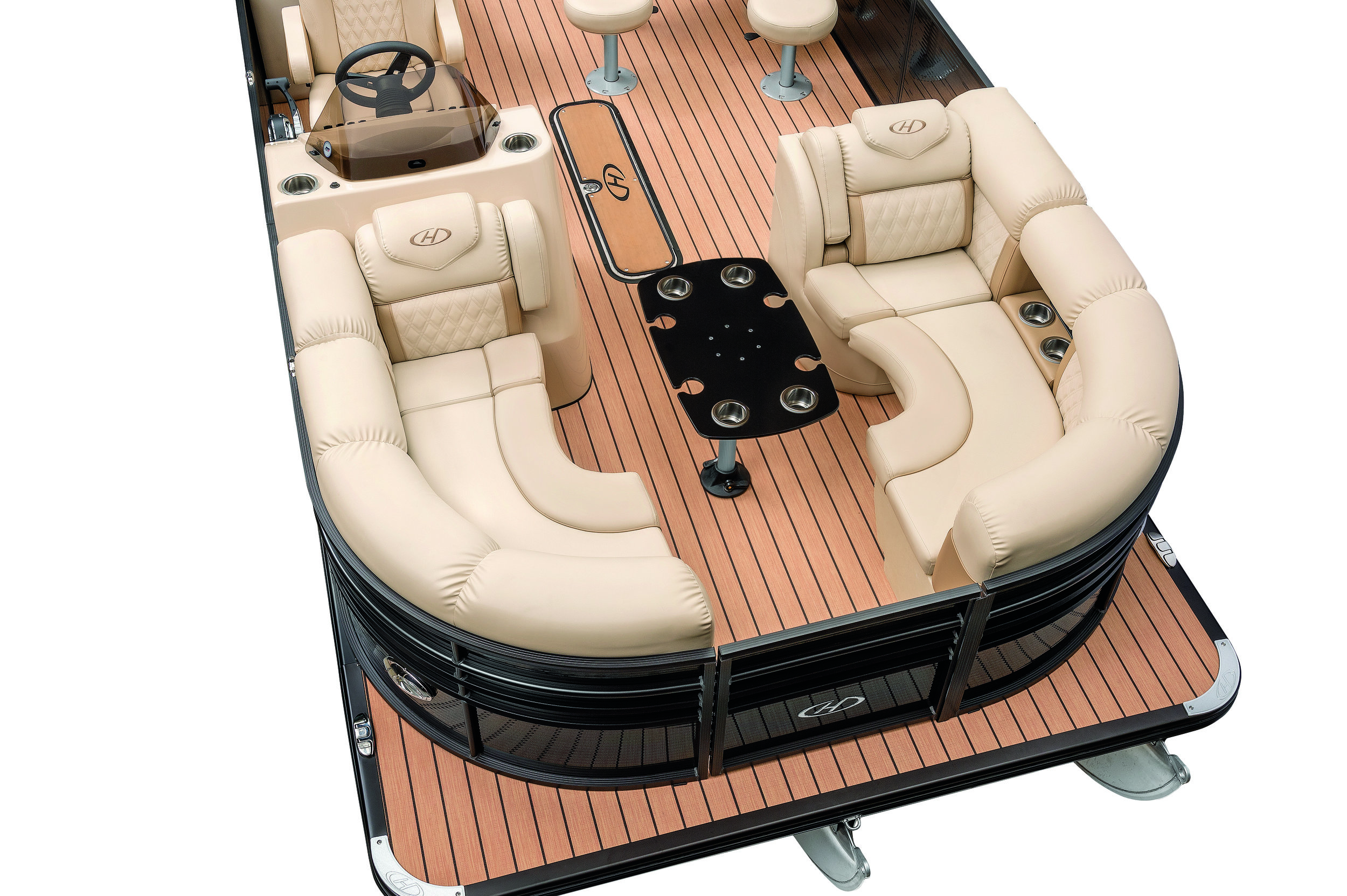 The interior has been upgraded as well by using a softer, more elegant seat base. This design would become the foundation for the brand language which has been carried forward to the 2018 Grand Mariner. The flowing lines are something that is unique for Harris and helps define the brand as a top competitor in the luxury sector of pontoons.