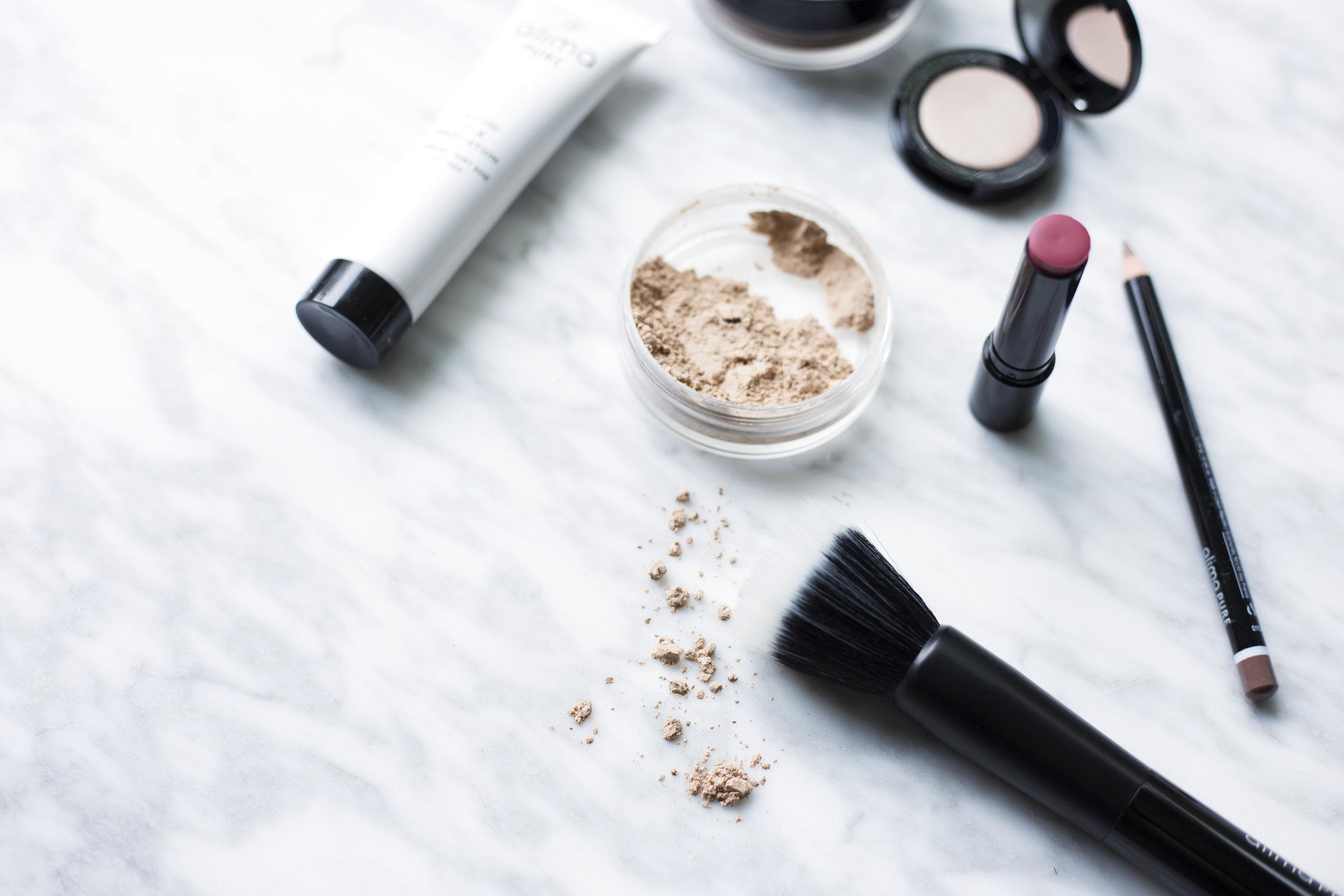 Natural make up to eliminate endocrine disruptors
