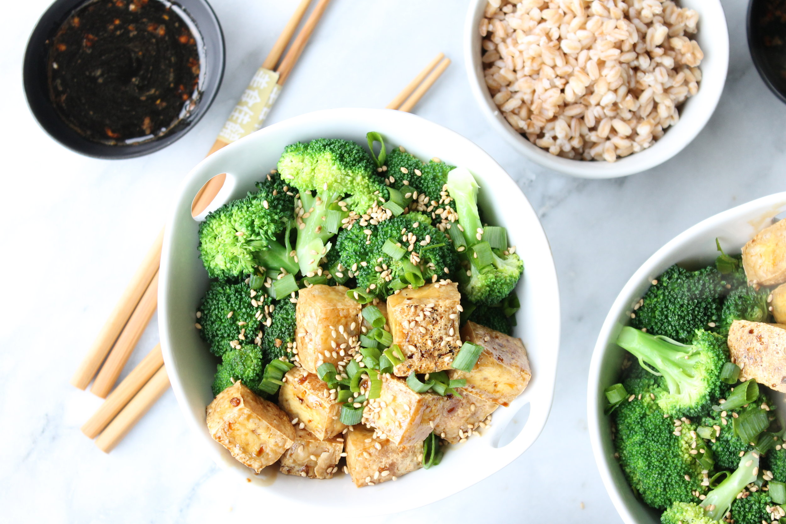 The easiest tofu and broccoli sesame bowl by Alavita Prenatal Nutrition