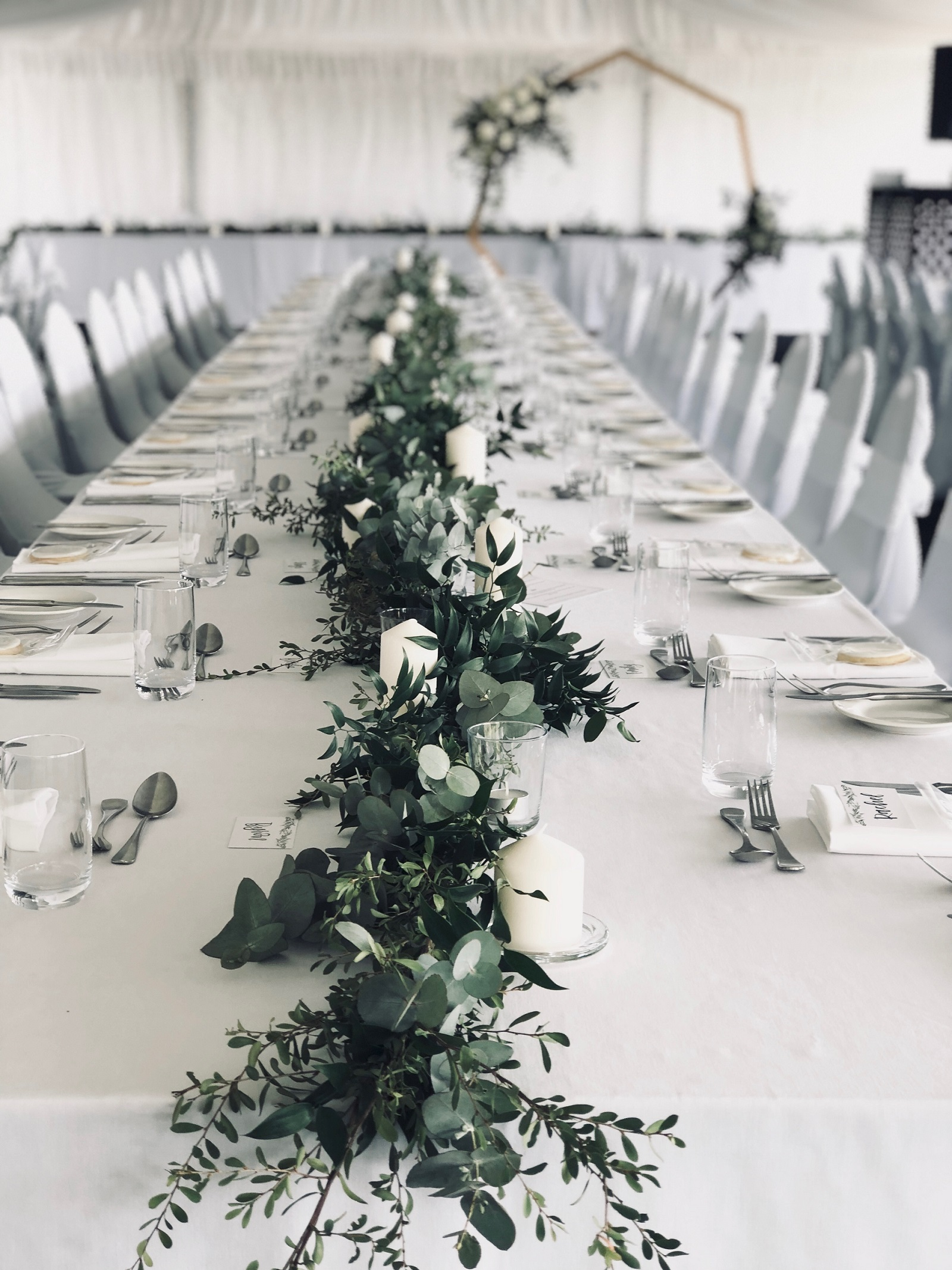 Elegant table garlands.JPG