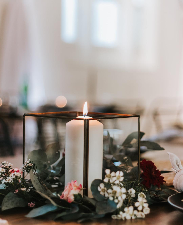 Rustic wedding table setting.JPG