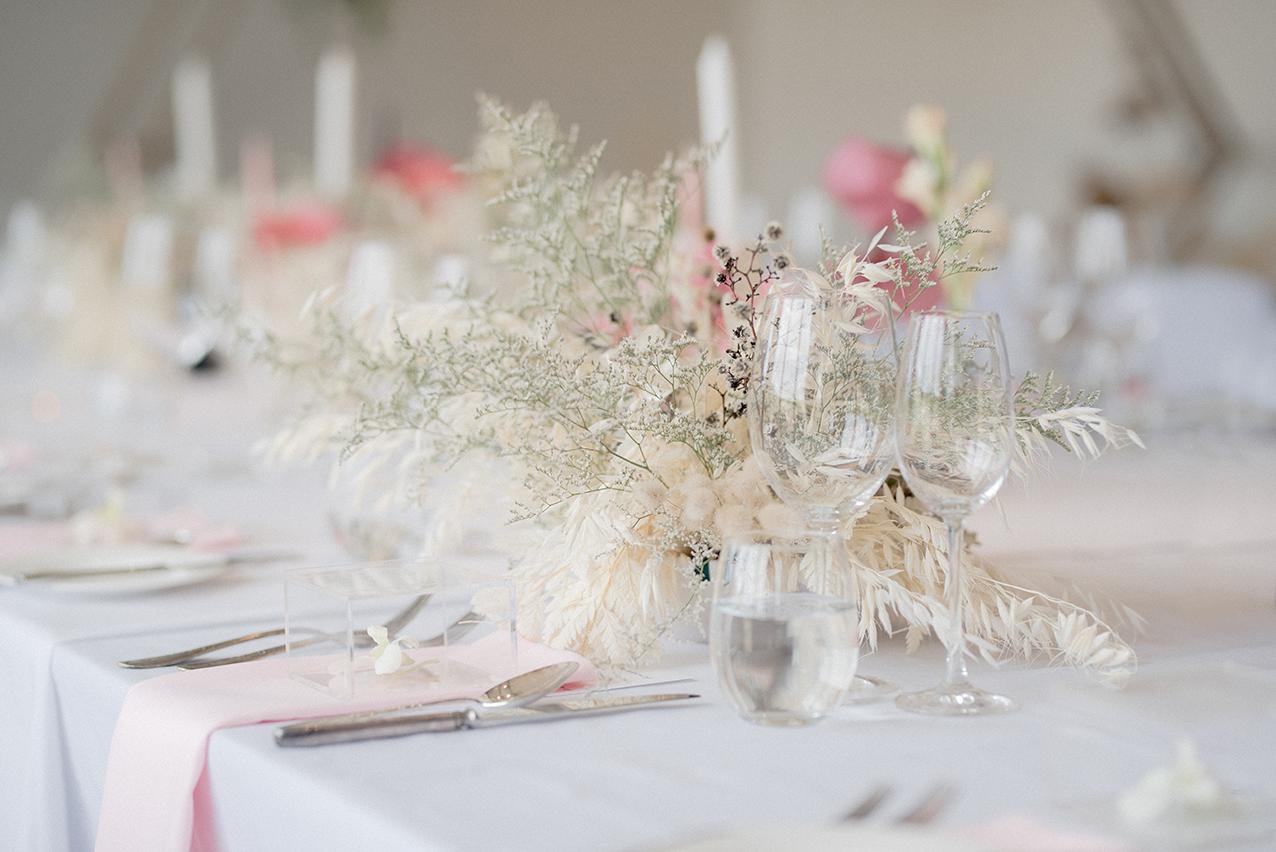 Romantic wedding table.jpg