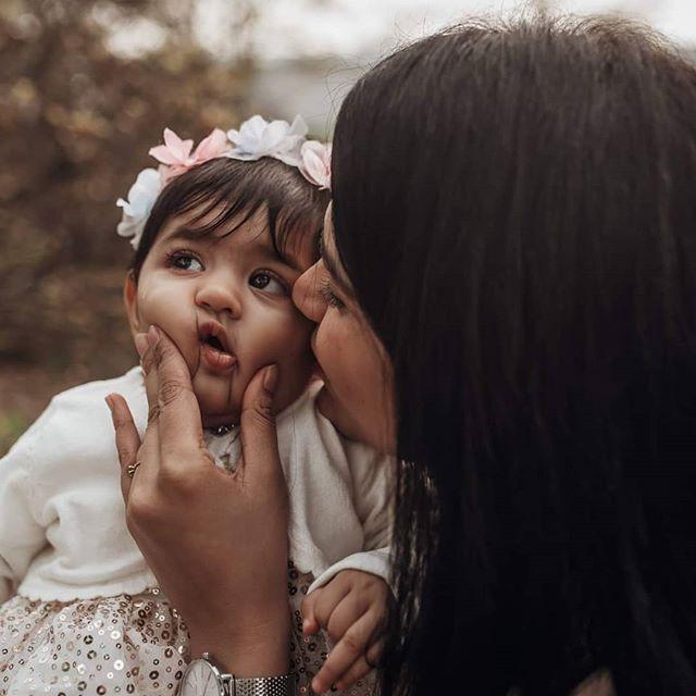 #cutenessoverload #socute #mummy #mummyslittleprincess #motherslove #niezleaparaty #lookslikefilmpoland #niezłeaparaty #lookslikefilm #lookslikefilmgermany #familygoals #familyphotography #berlinphotographer
