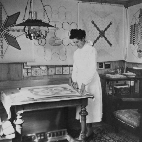 Emma Kunz at her working table, Waldstatt, 1958, Photo: © Emma Kunz Zentrum
