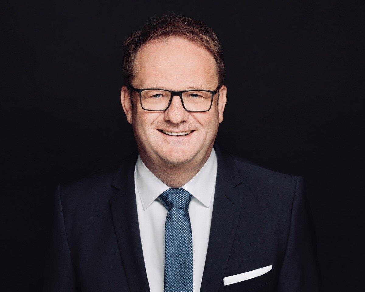 Fred Schelenz   Mitglied der Geschäftsführung,  PHEROH Projektentwicklungs GmbH  Kurzvita