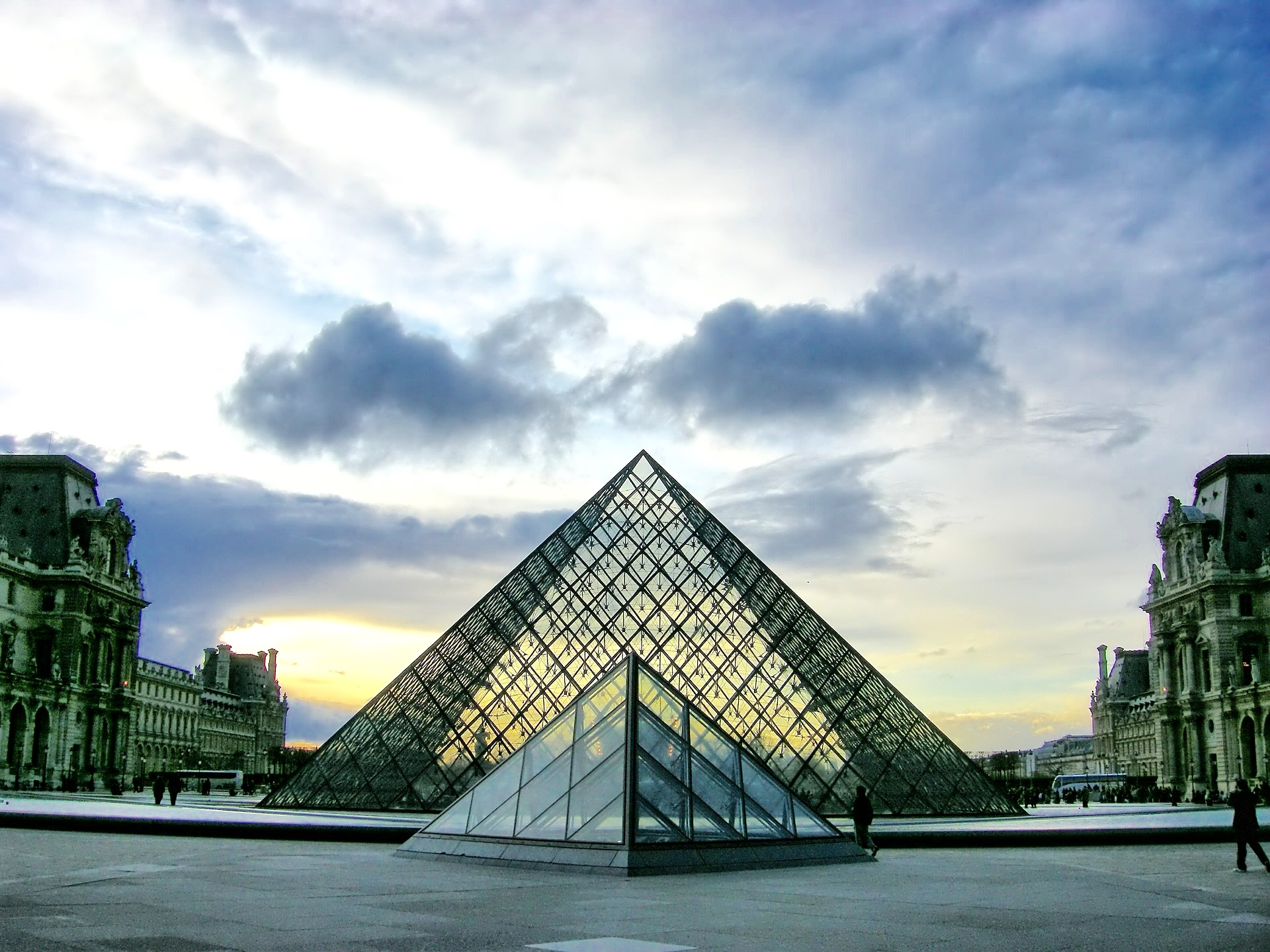 Private Tour : Welcome to the Louvre Museum 280€