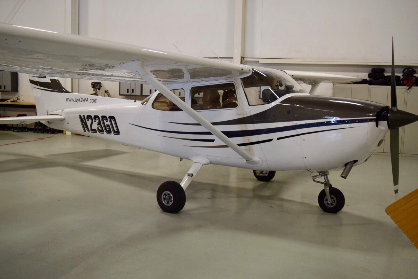 Land Lover? - Our Cessna 172s offer a great training platform to earn your wings. Come try one on for size!