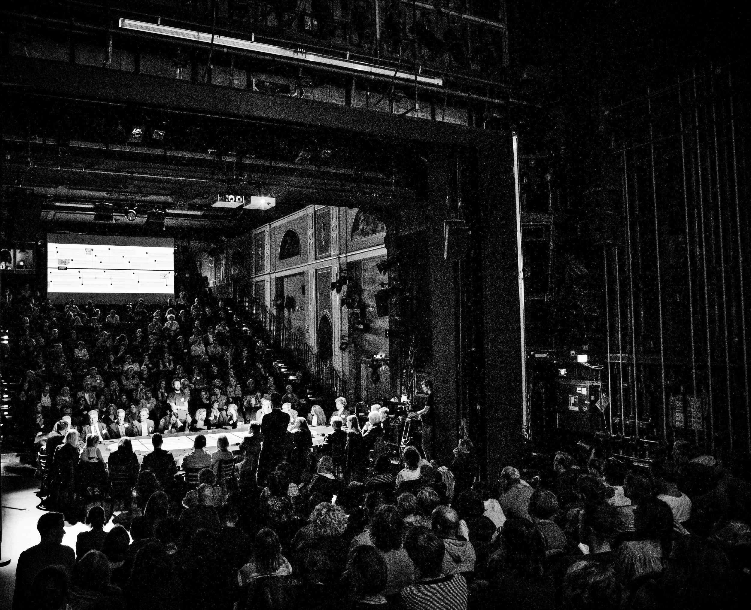 Theaterstück   Premiere:28. September 2018 Deutsches Theater Berlin   mehr erfahren