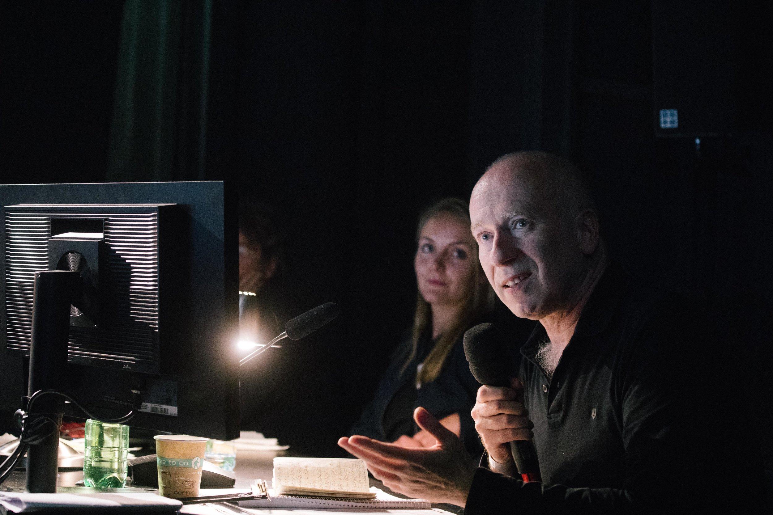 Joseph Vogl at the critics table © Eike Walkenhorst