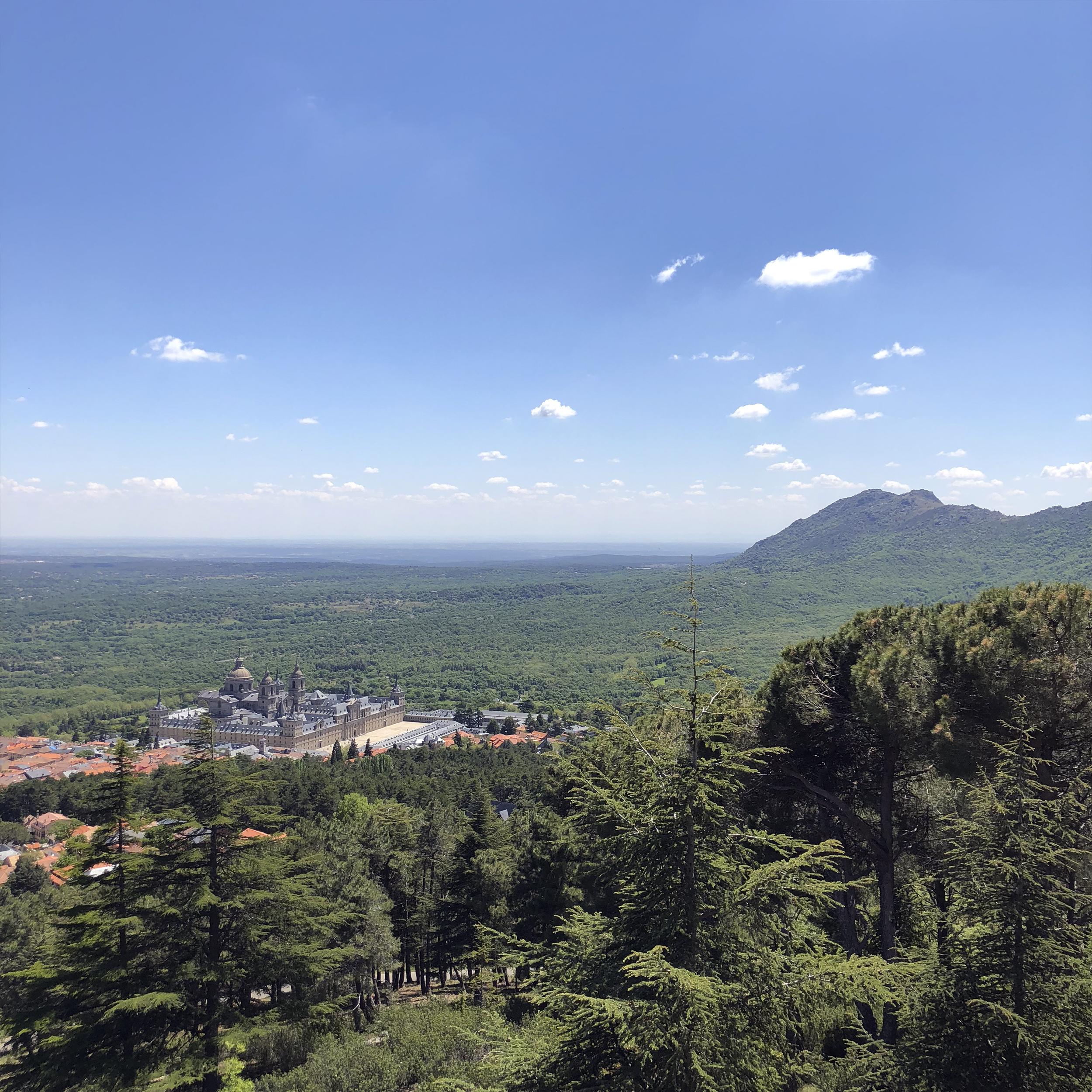 El monasterio desde el Monte Abantos.