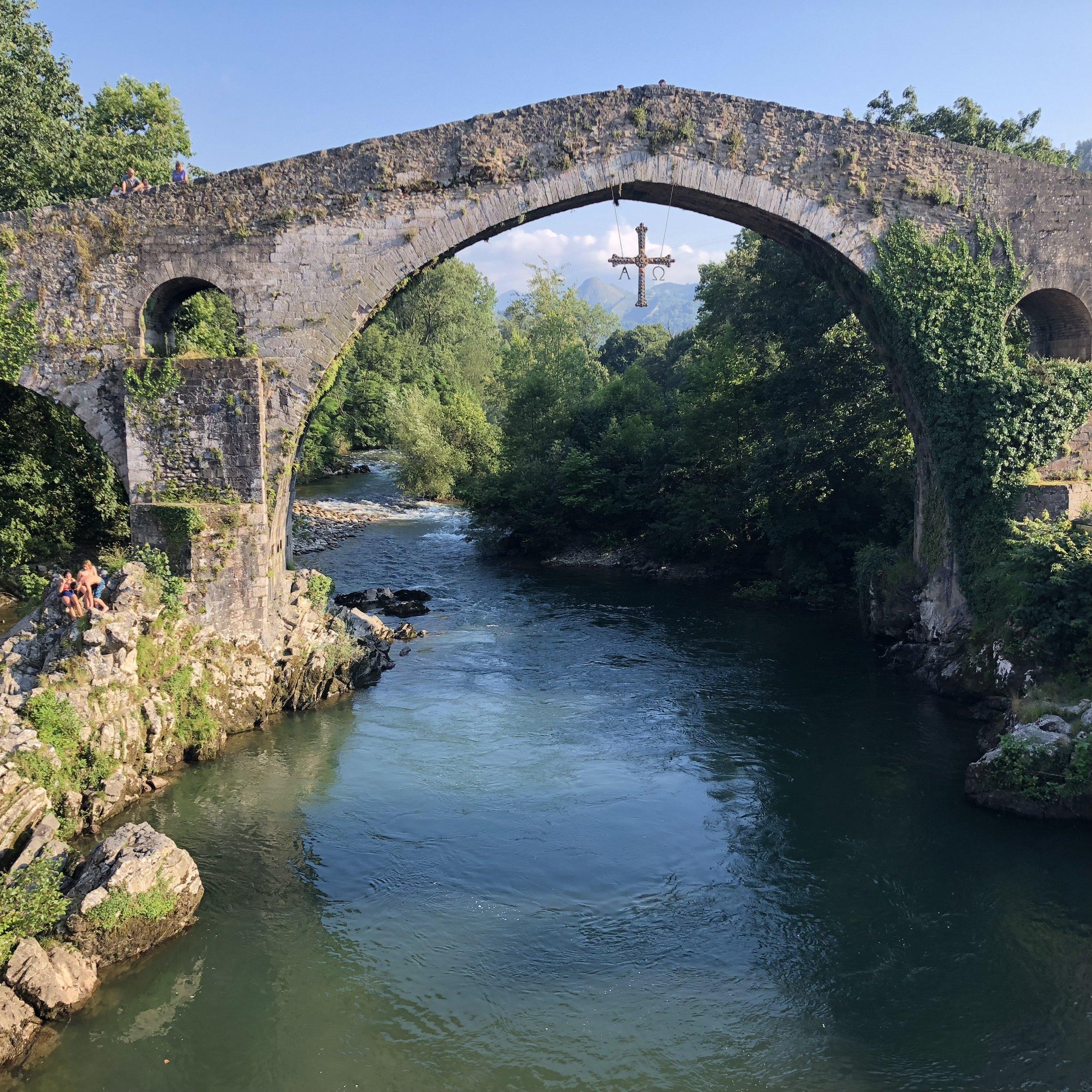 """El llamado """"Puente Romano"""" de Cangas de Onís."""