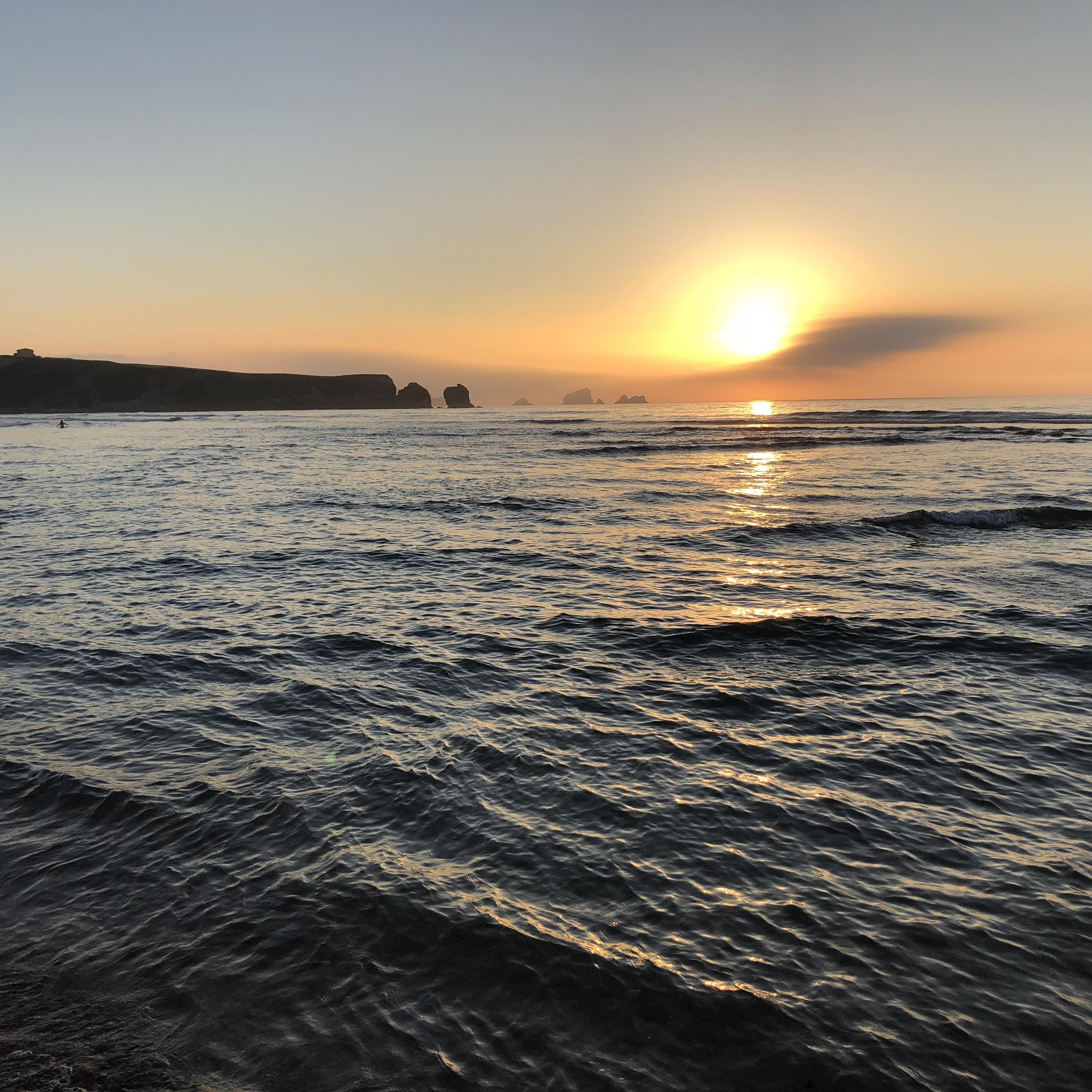 Atardecer desde la playa de Valdearenas.